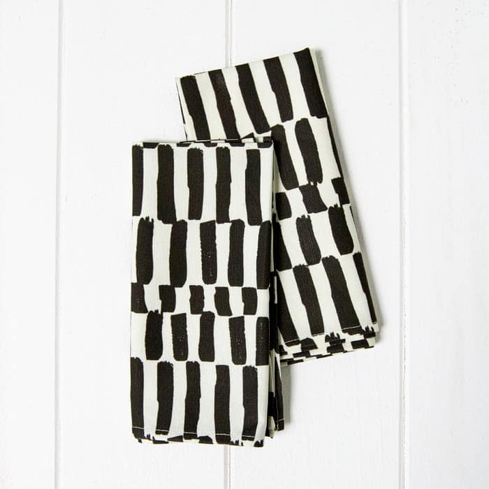 For a Little Flash: Geometric & Patterned Napkins from A Sunny Afternoon: gallery image 5
