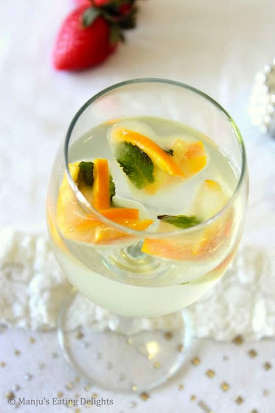 Watermelon, Nectarine, & Fruity Stripes: 8 Fun Flavored Ice Cubes: gallery image 3
