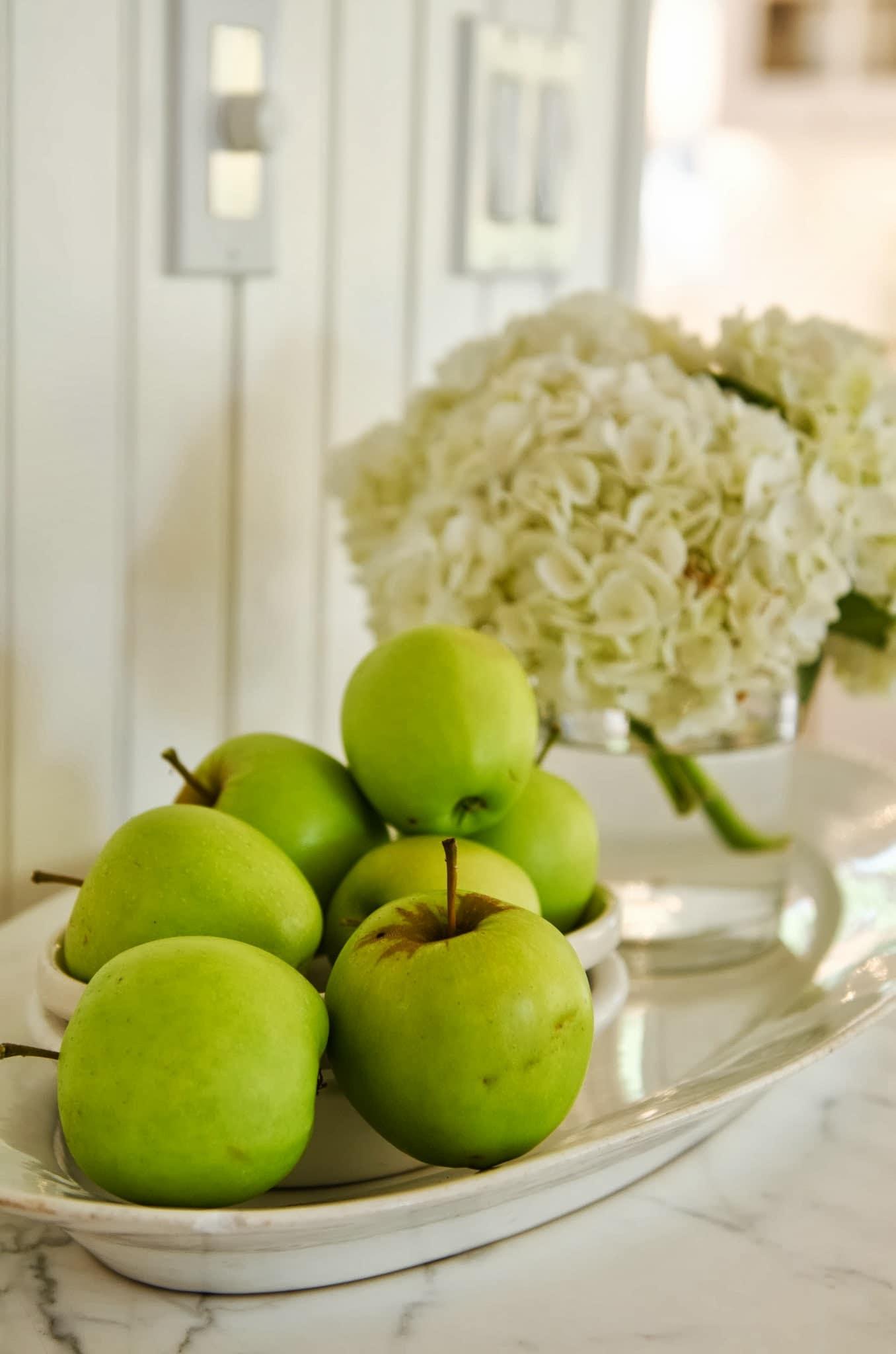 Shawna's Glamorous Custom Kitchen: gallery image 13