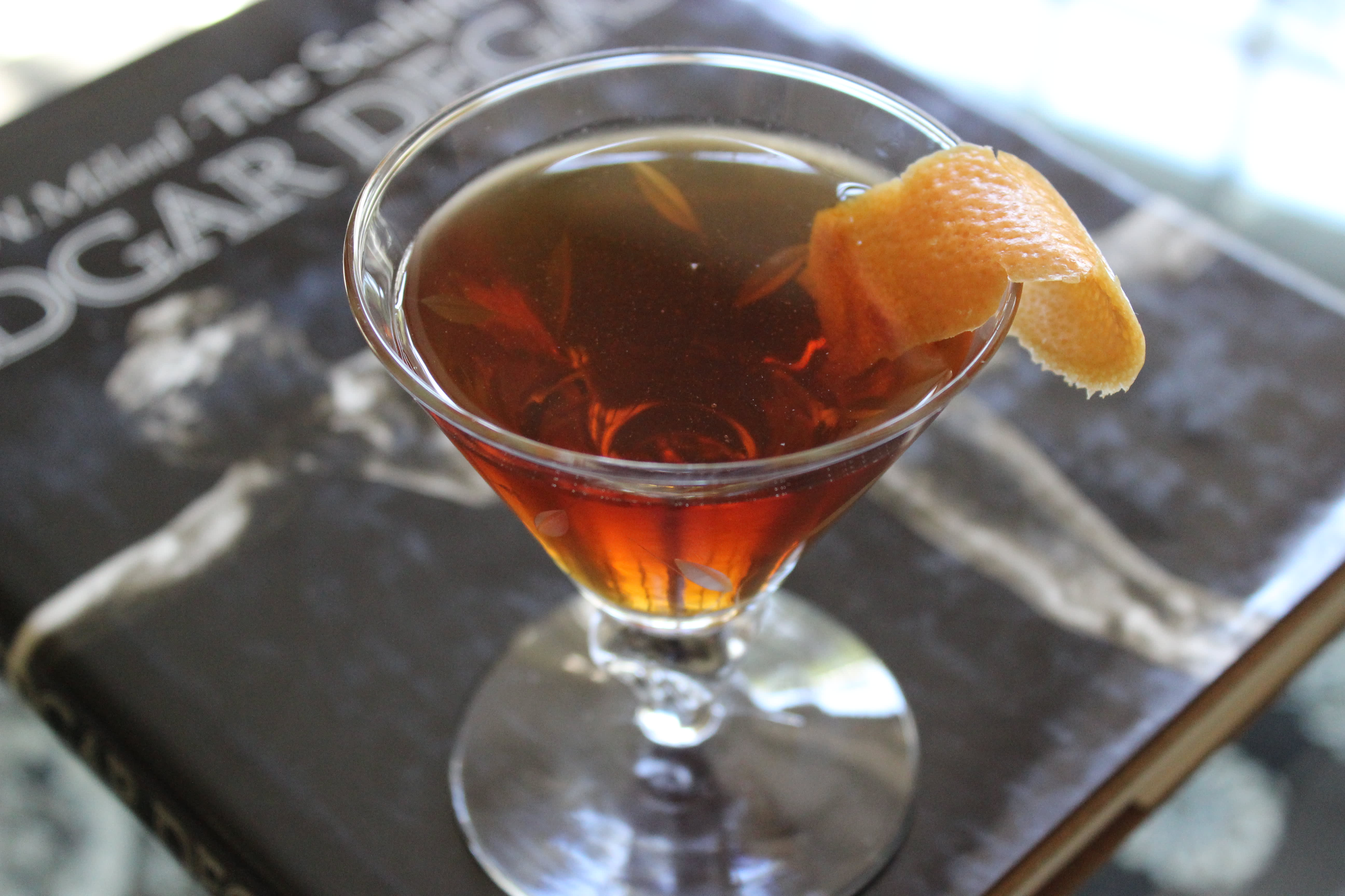 Perfect Fall Cocktail Recipe: Classic Rob Roy Cocktail