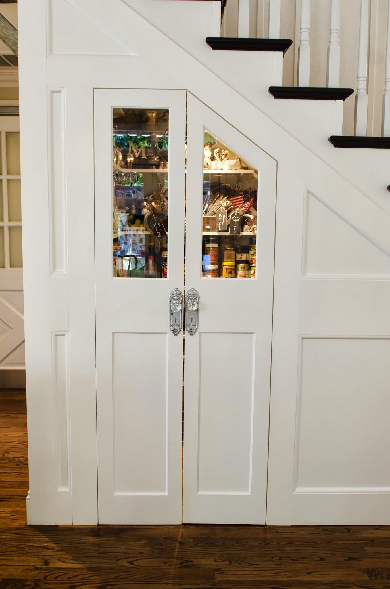 Shawna's Glamorous Custom Kitchen: gallery image 17