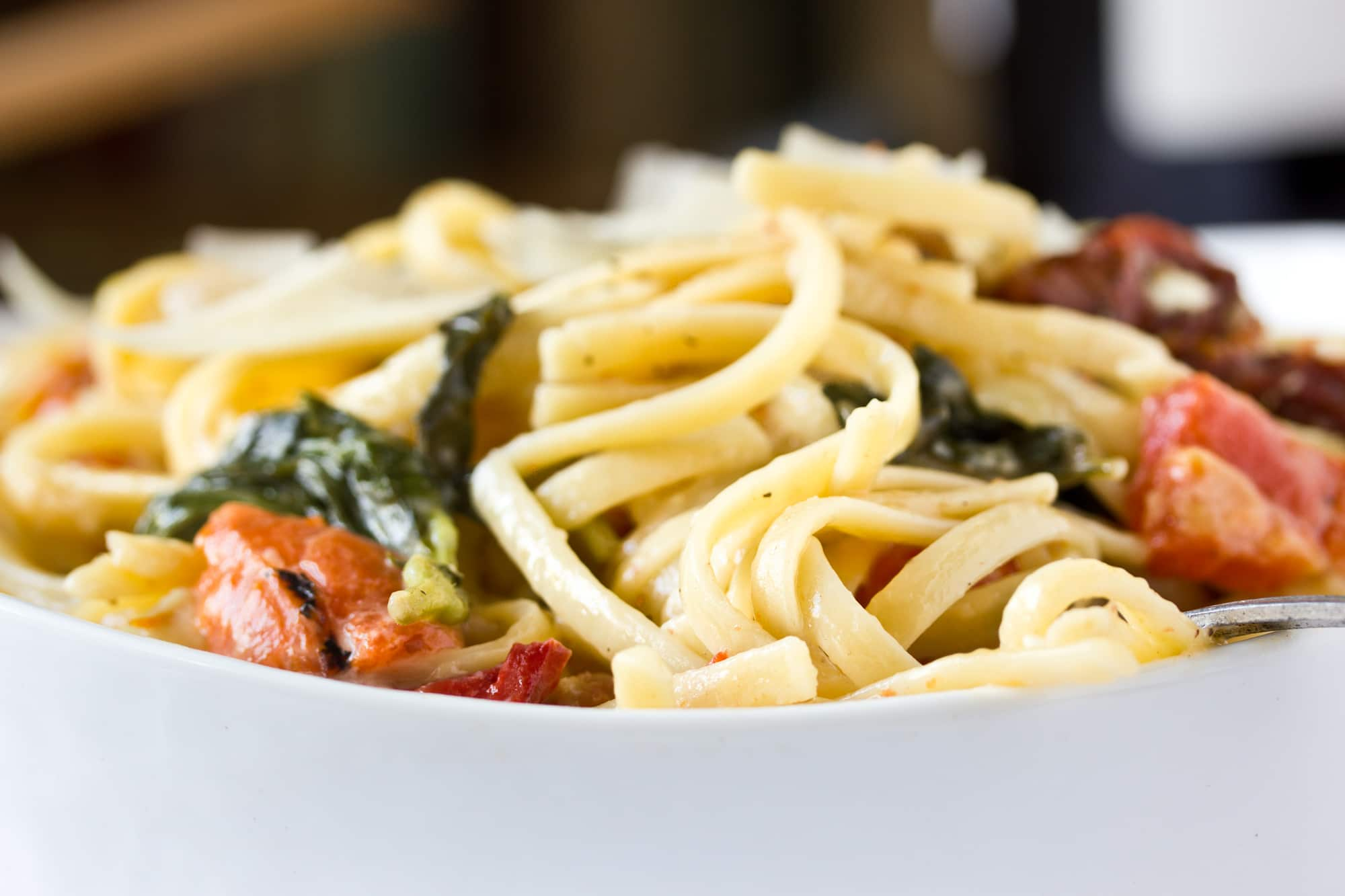 One-Pot Pasta: Linguine with Roasted Red Peppers, Sun-Dried Tomatoes, & Brie