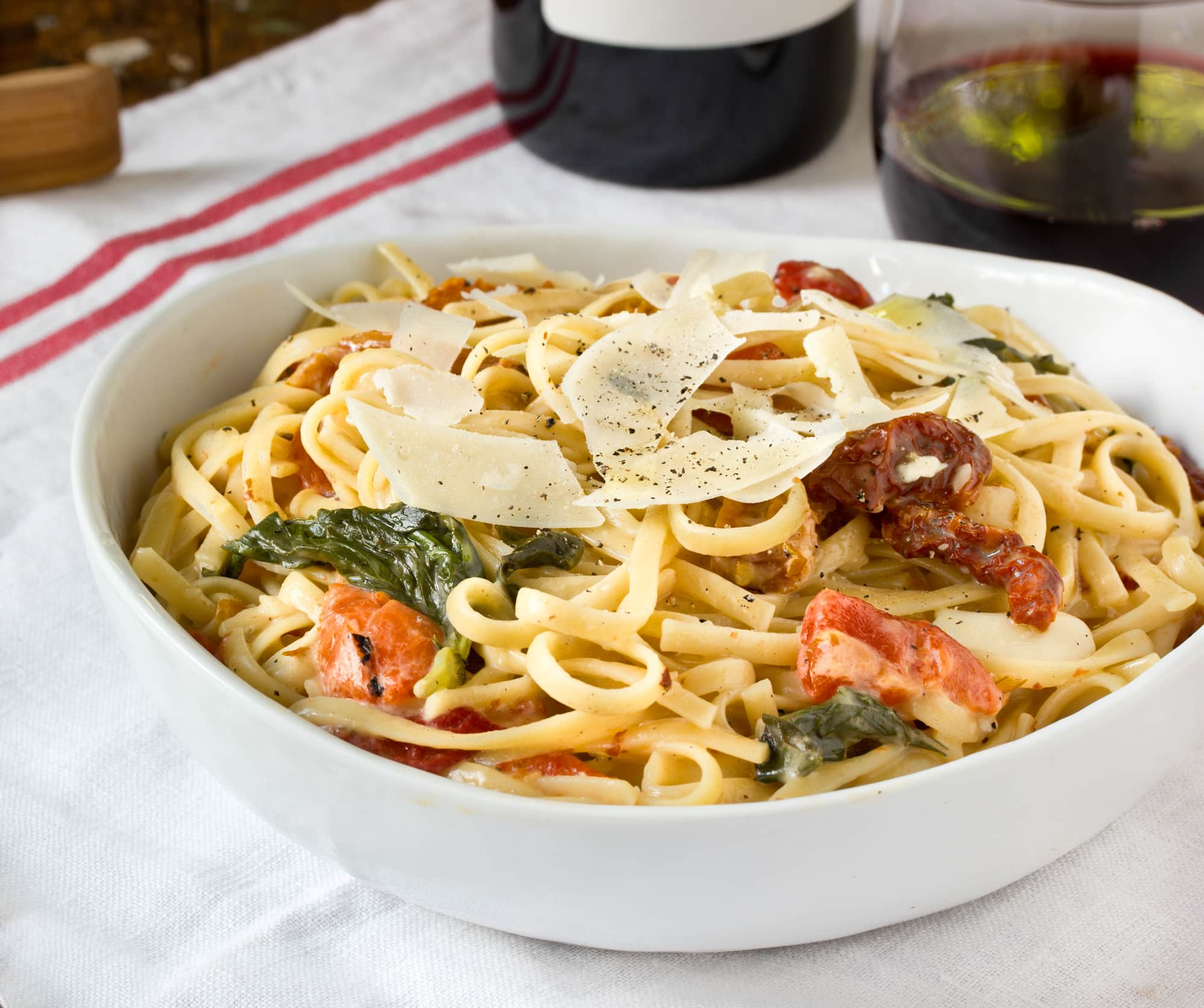 One-Pot Pasta: Linguine with Roasted Red Peppers, Sun-Dried Tomatoes & Brie