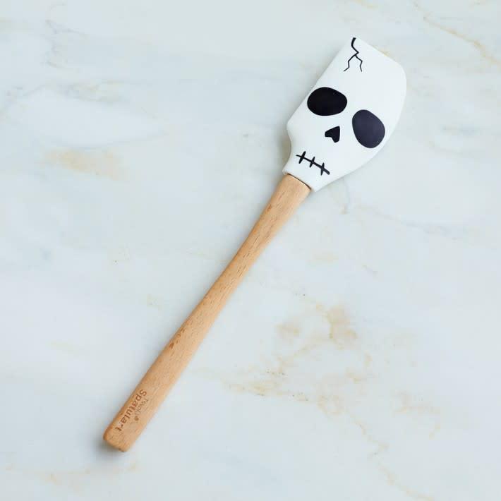 Bone Appetit: Skull-Inspired Kitchen Tools: gallery image 1