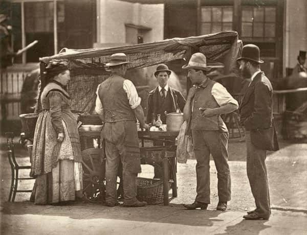 10 Snapshots of Street Food From the Past: gallery image 5