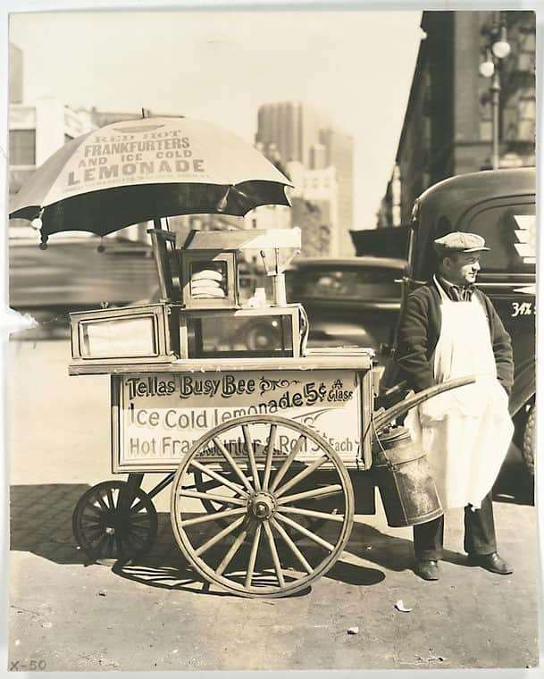 10 Snapshots of Street Food From the Past: gallery image 9