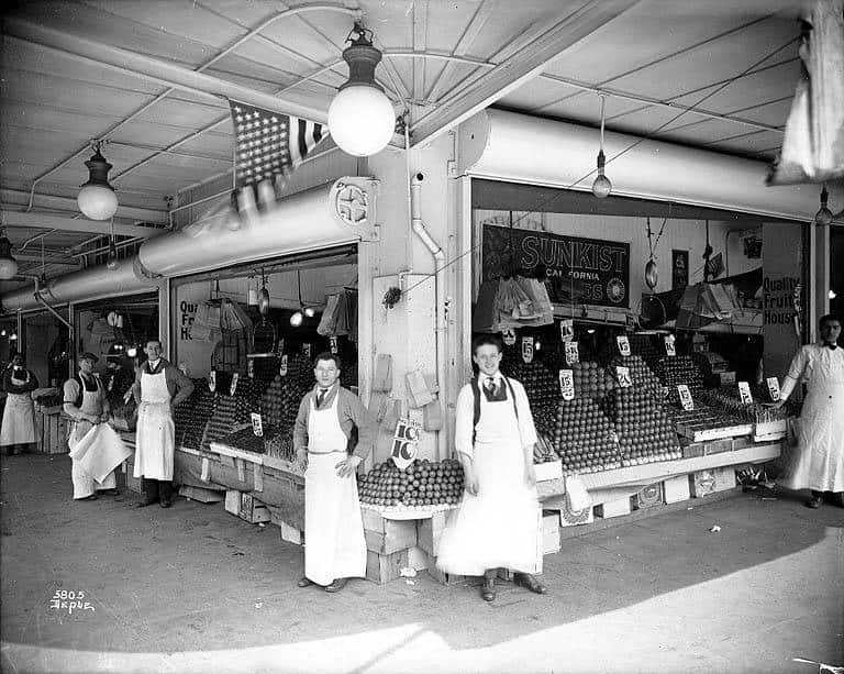 10 Snapshots of Street Food From the Past: gallery image 3