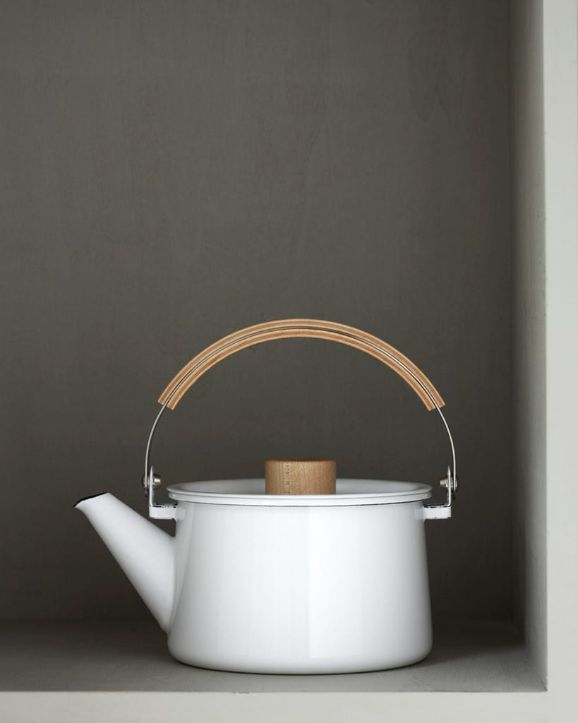 10 Timeless Tea Kettles: gallery image 6