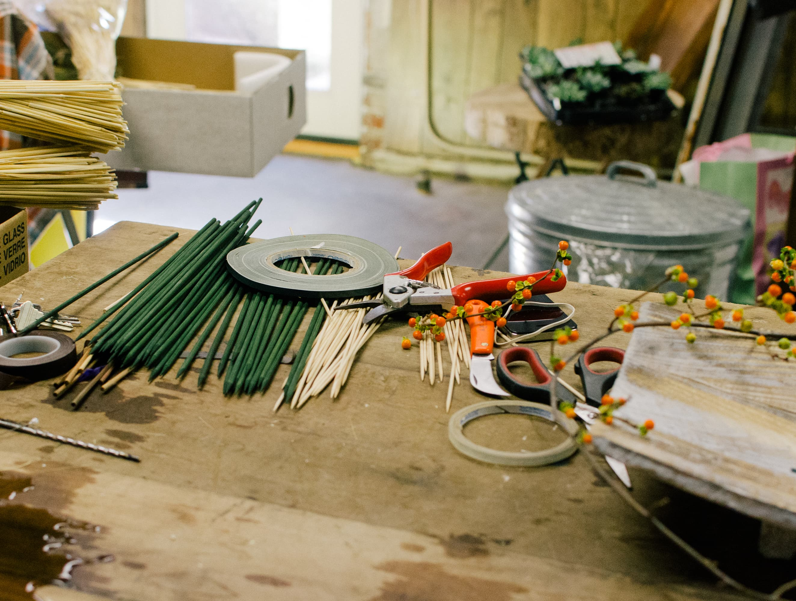 How To Make a Modern Harvest Centerpiece for Thanksgiving: gallery image 1