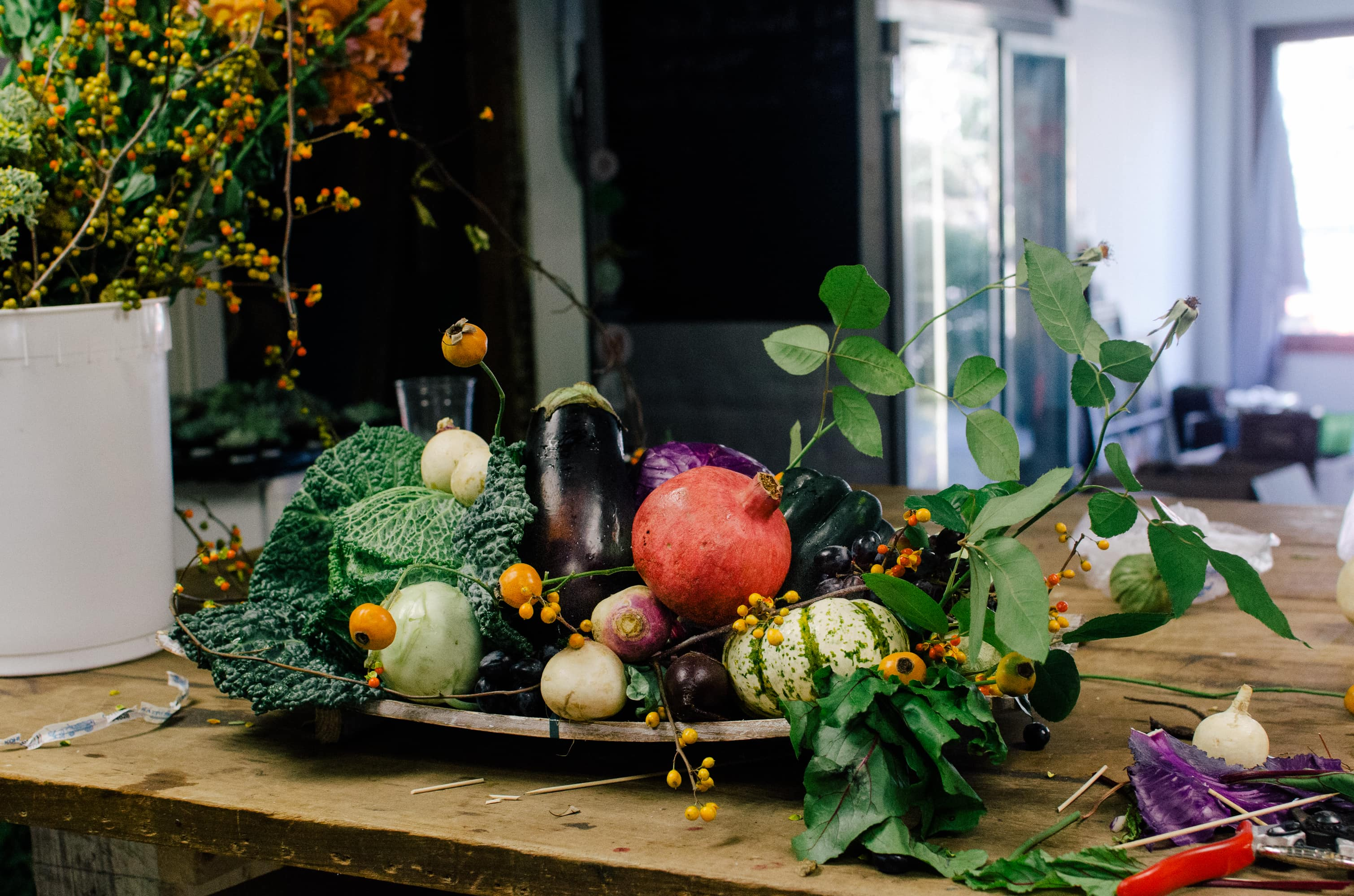 How To Make a Modern Harvest Centerpiece for Thanksgiving: gallery image 17