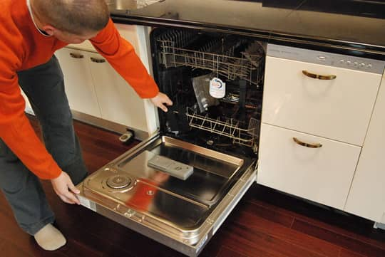 15 Tips and Tricks To Get Your Kitchen Clean Before the Holidays: gallery image 15