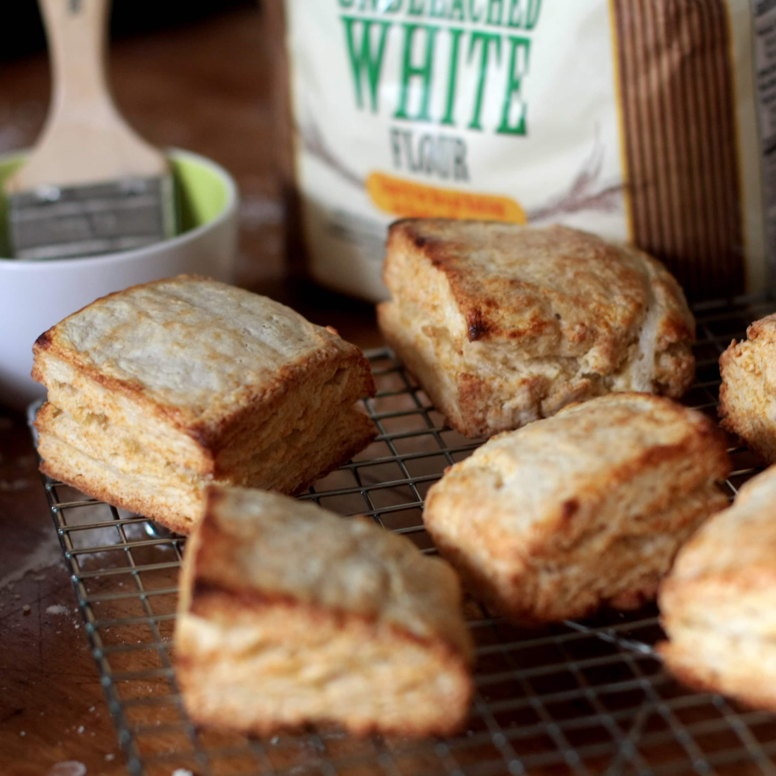How To Make Classic Buttermilk Biscuits: gallery image 12