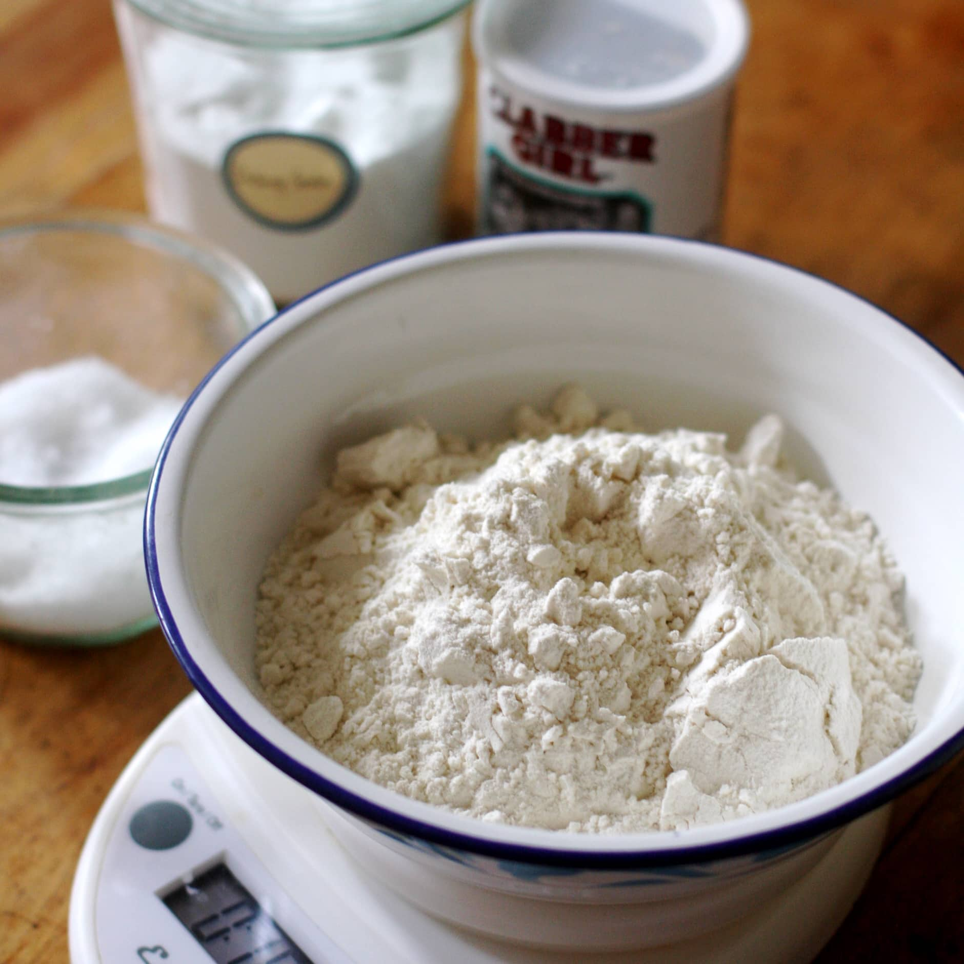 How To Make Classic Buttermilk Biscuits: gallery image 3