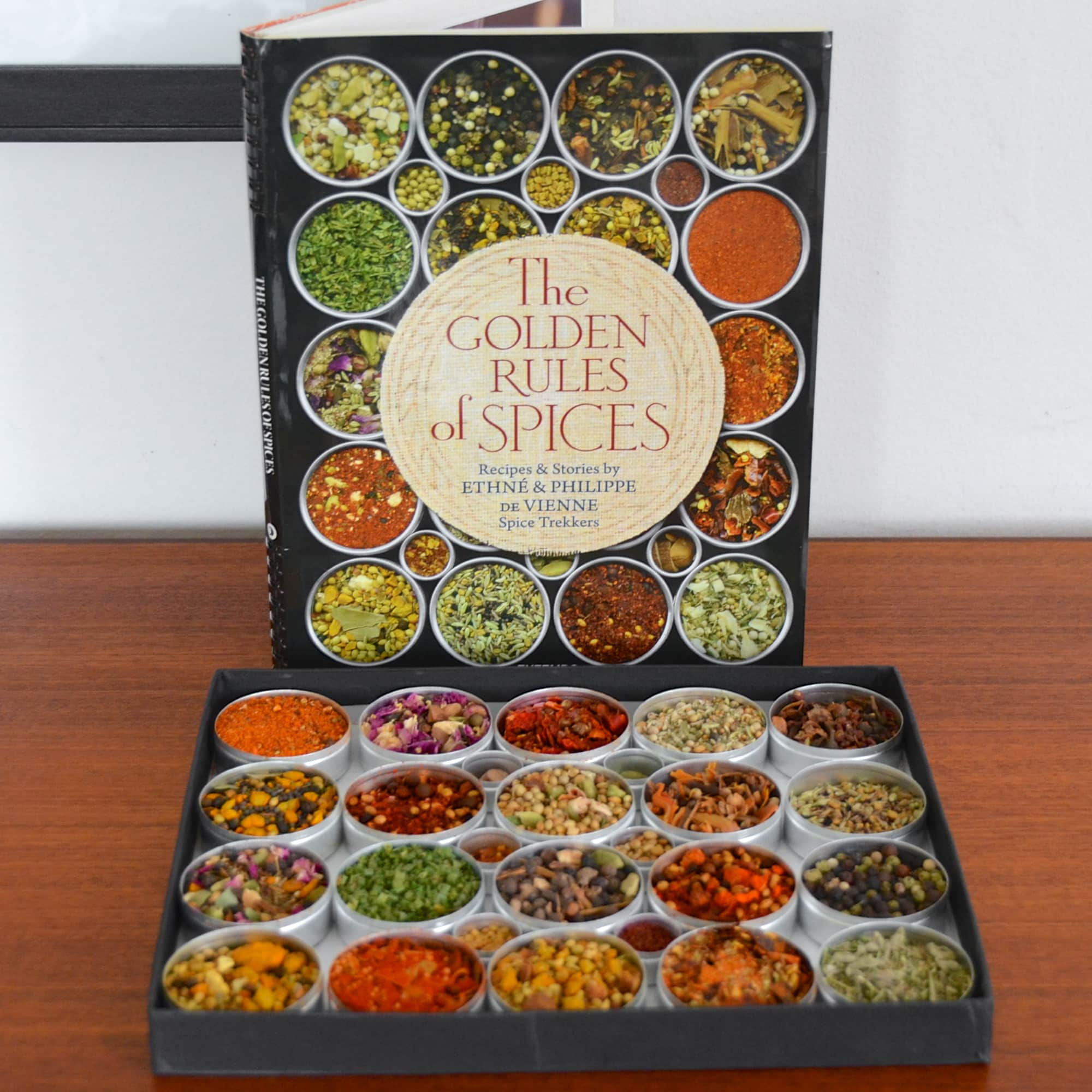 The Golden Rules of Spices by Ethné & Philippe de Vienne: gallery image 1