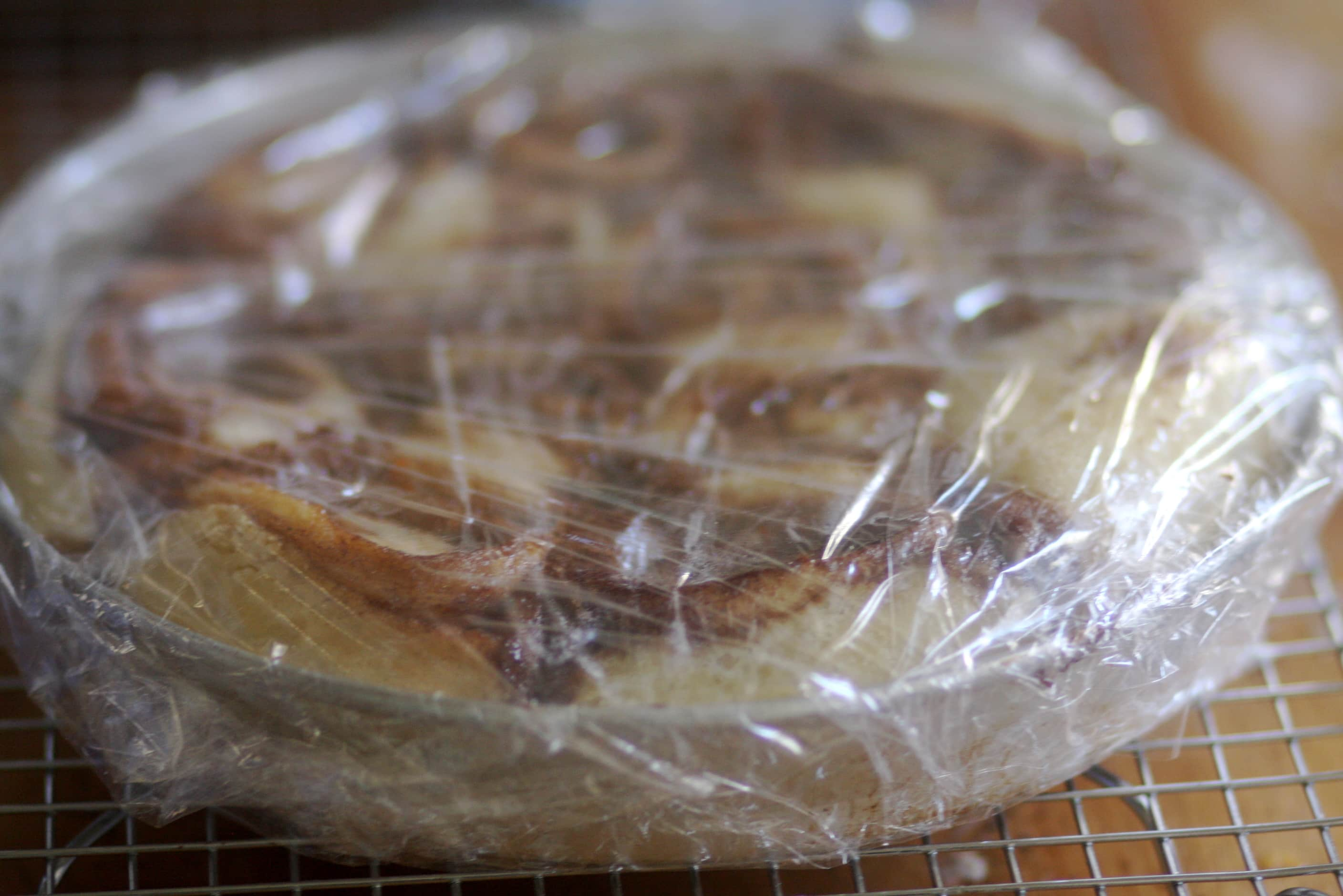 How To Freeze Cinnamon Rolls and Bake Them Later: gallery image 3