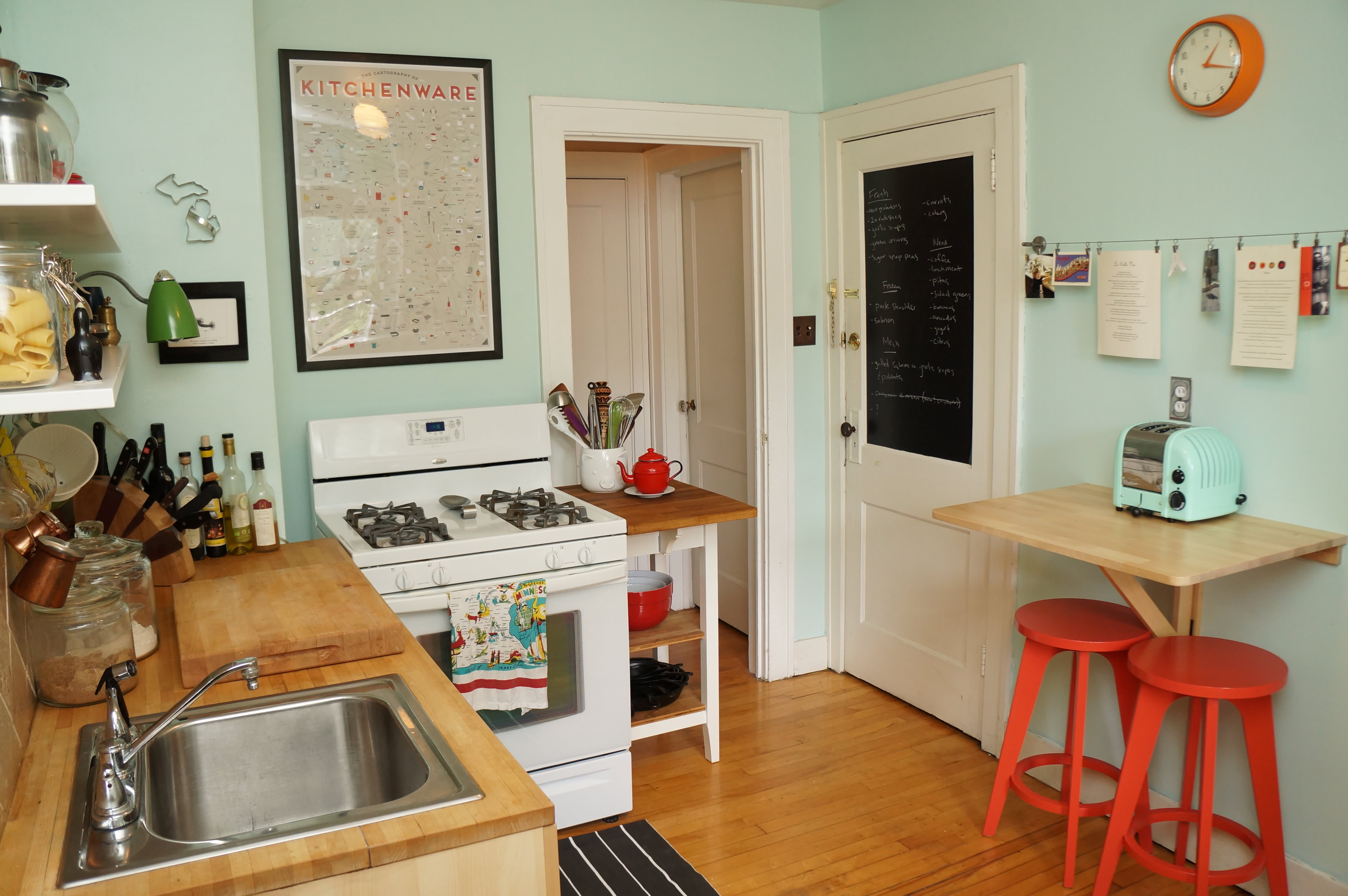 15 Small Space Kitchens, Tips, and Storage Solutions That Inspired Us: gallery image 6