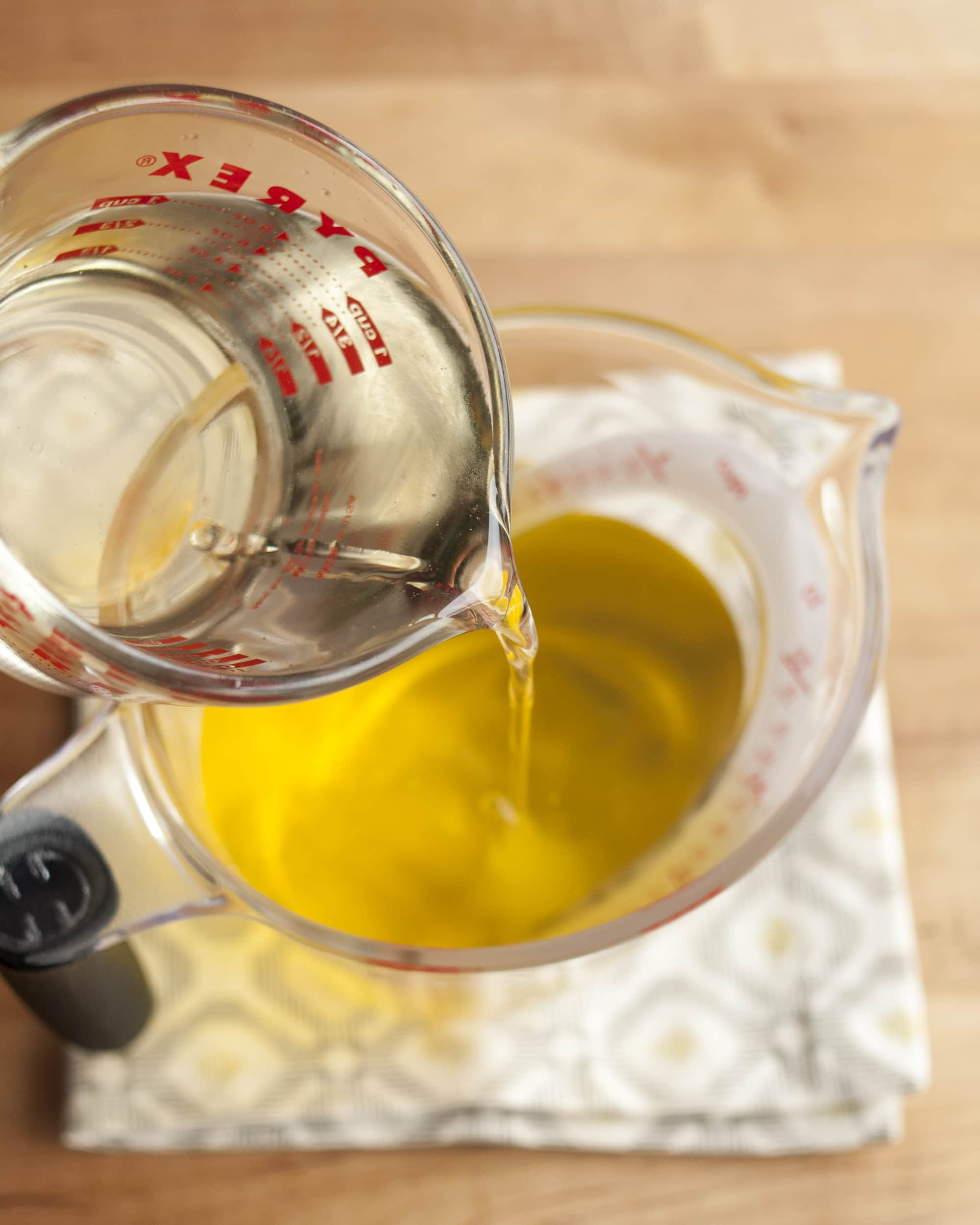 How To Make Limoncello: gallery image 9