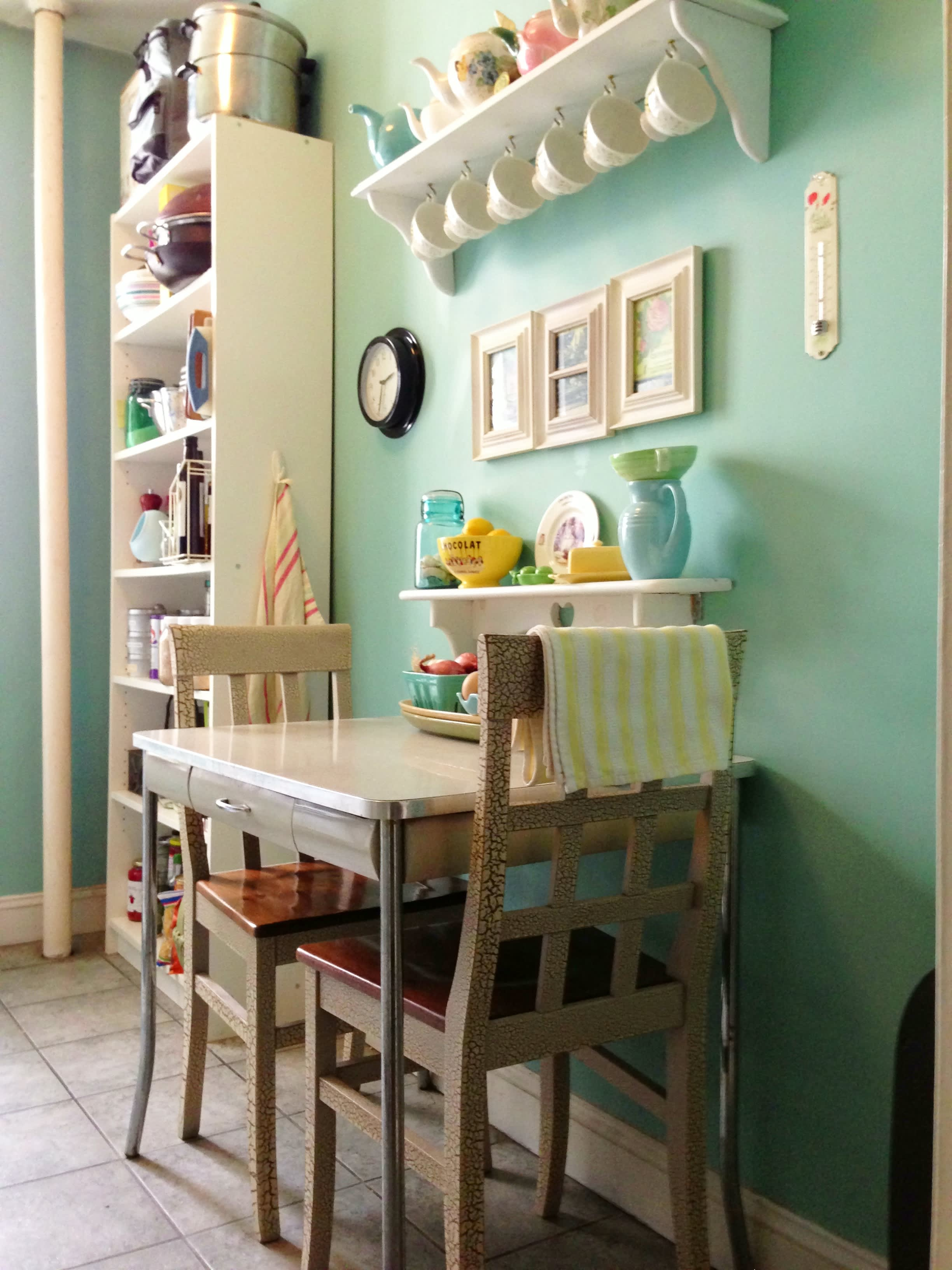 15 Small Space Kitchens, Tips, and Storage Solutions That Inspired Us: gallery image 5