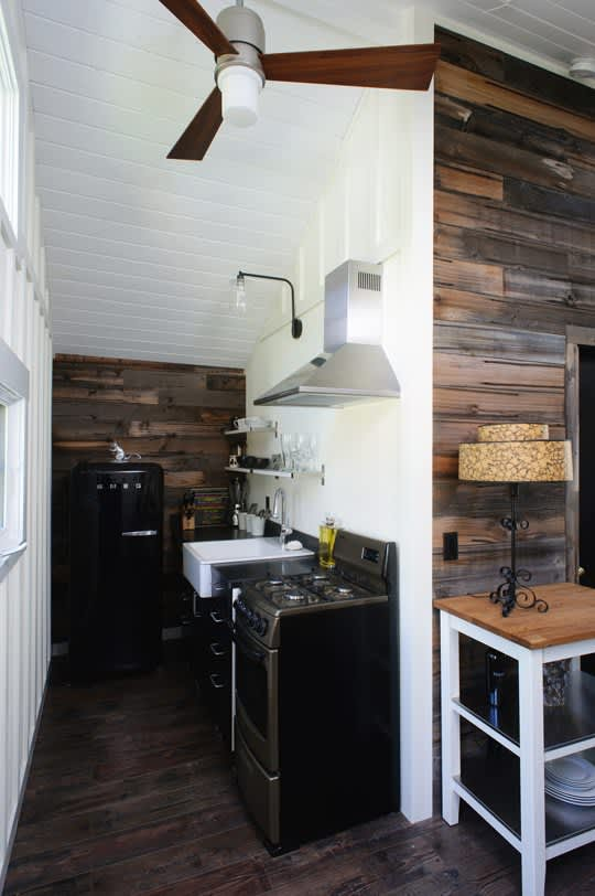 15 Small Space Kitchens, Tips, and Storage Solutions That Inspired Us: gallery image 4