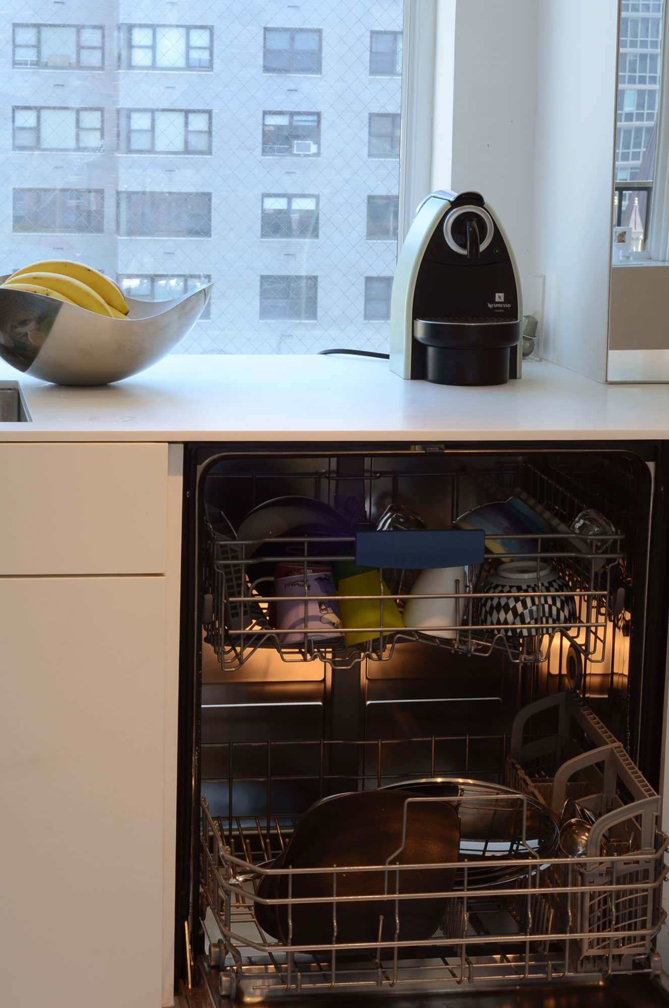 Cecilia's Sleek High-Design Kitchen: gallery image 3