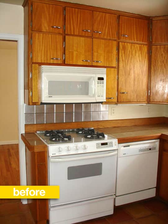 20 Dramatic Kitchen Before & After Transformations: gallery image 18