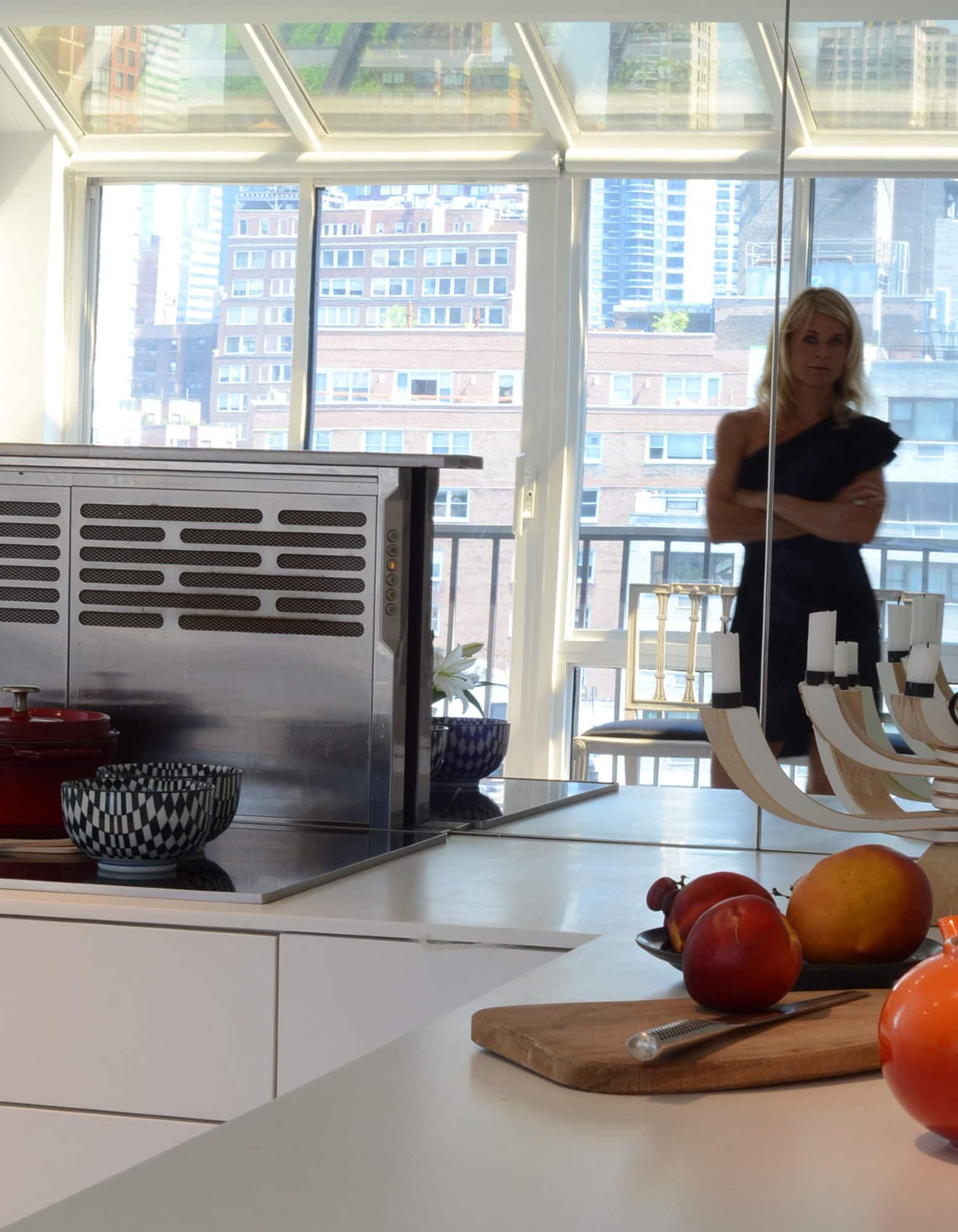 Cecilia's Sleek High-Design Kitchen: gallery image 6