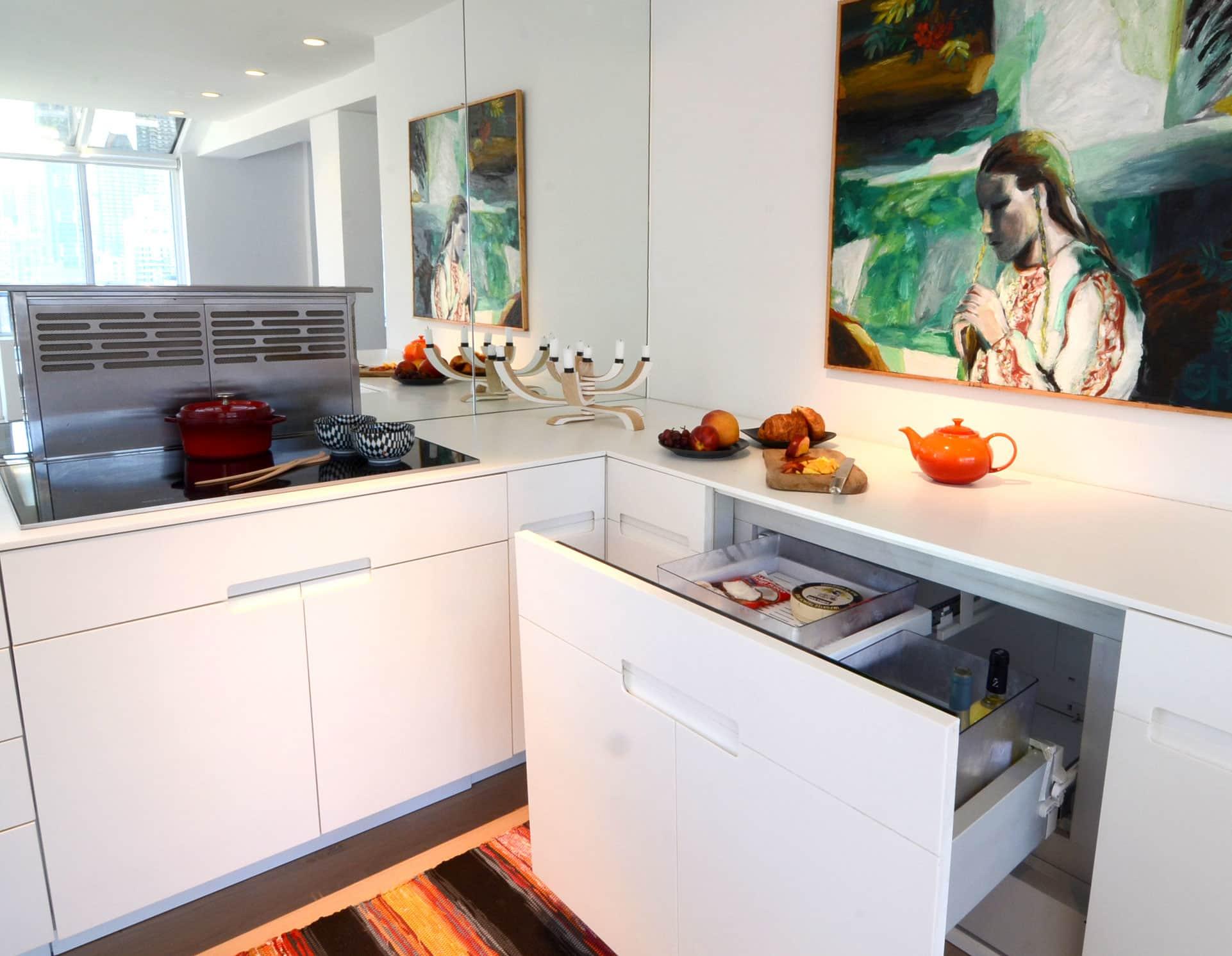 Cecilia's Sleek High-Design Kitchen: gallery image 4