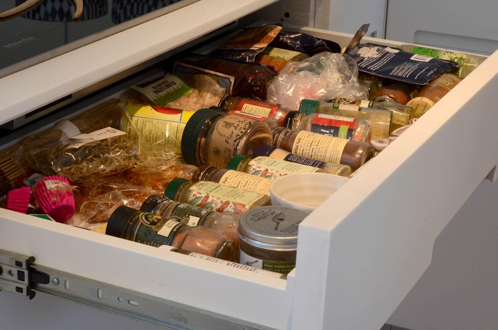 Cecilia's Sleek High-Design Kitchen: gallery image 11