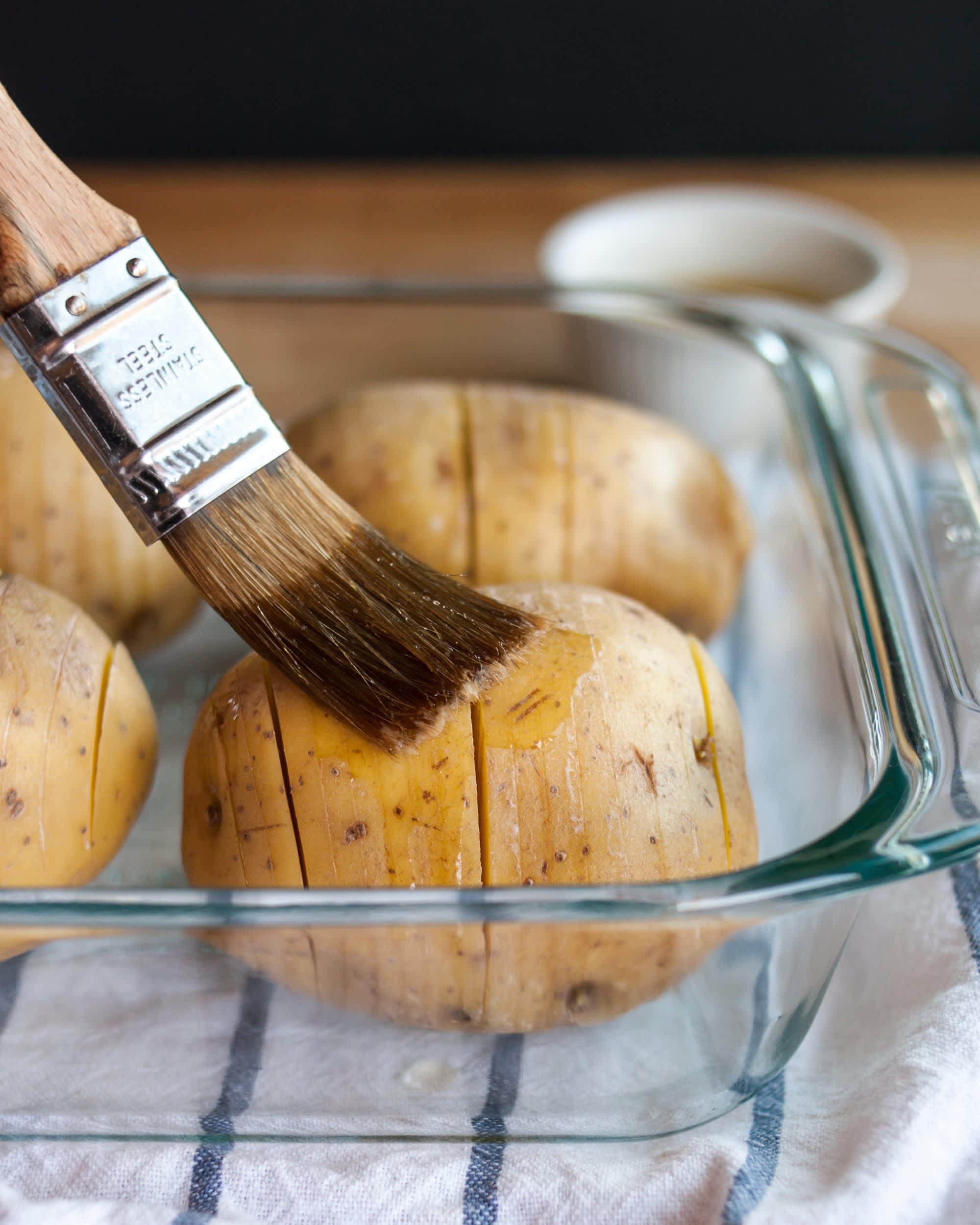 How To Make Hasselback Potatoes: gallery image 5