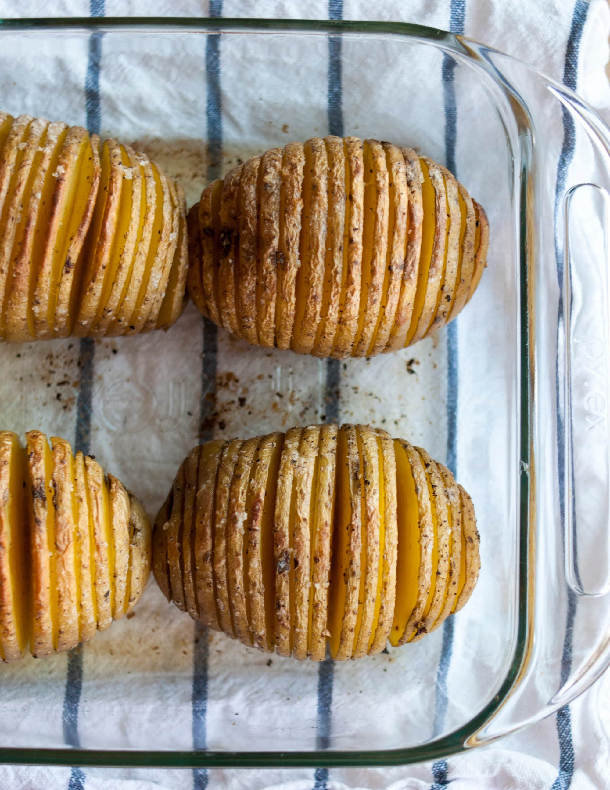 How To Make Hasselback Potatoes: gallery image 1