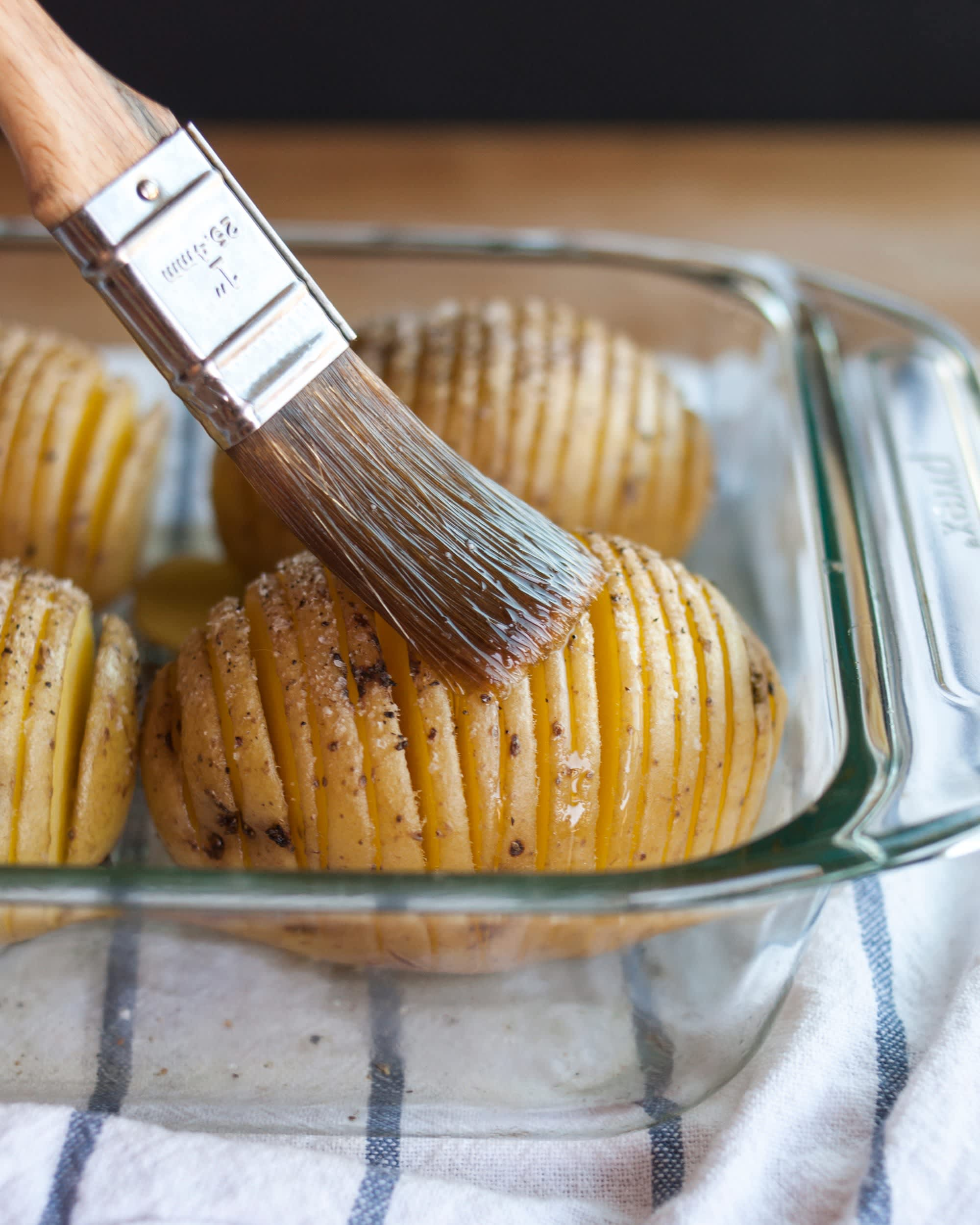 How To Make Hasselback Potatoes: gallery image 8
