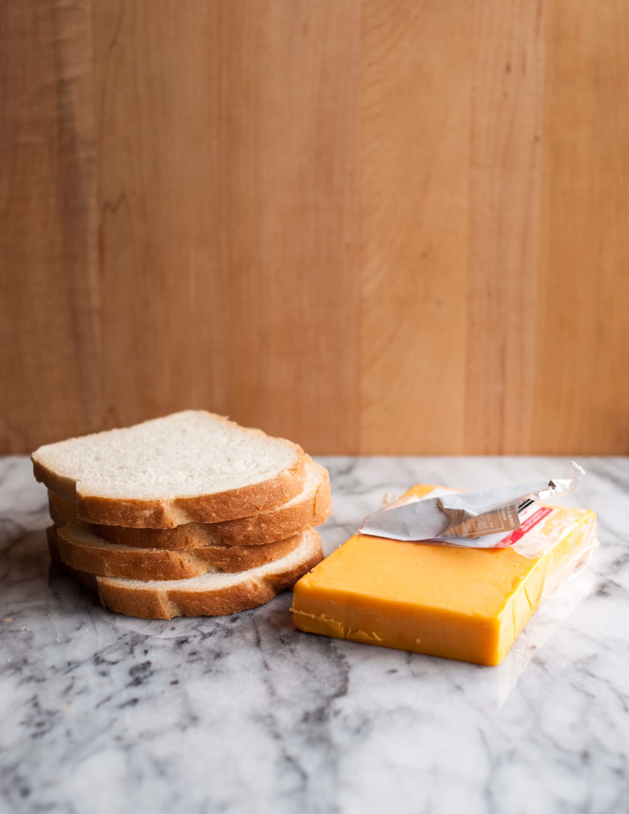 How To Make a Grilled Cheese Sandwich: gallery image 2