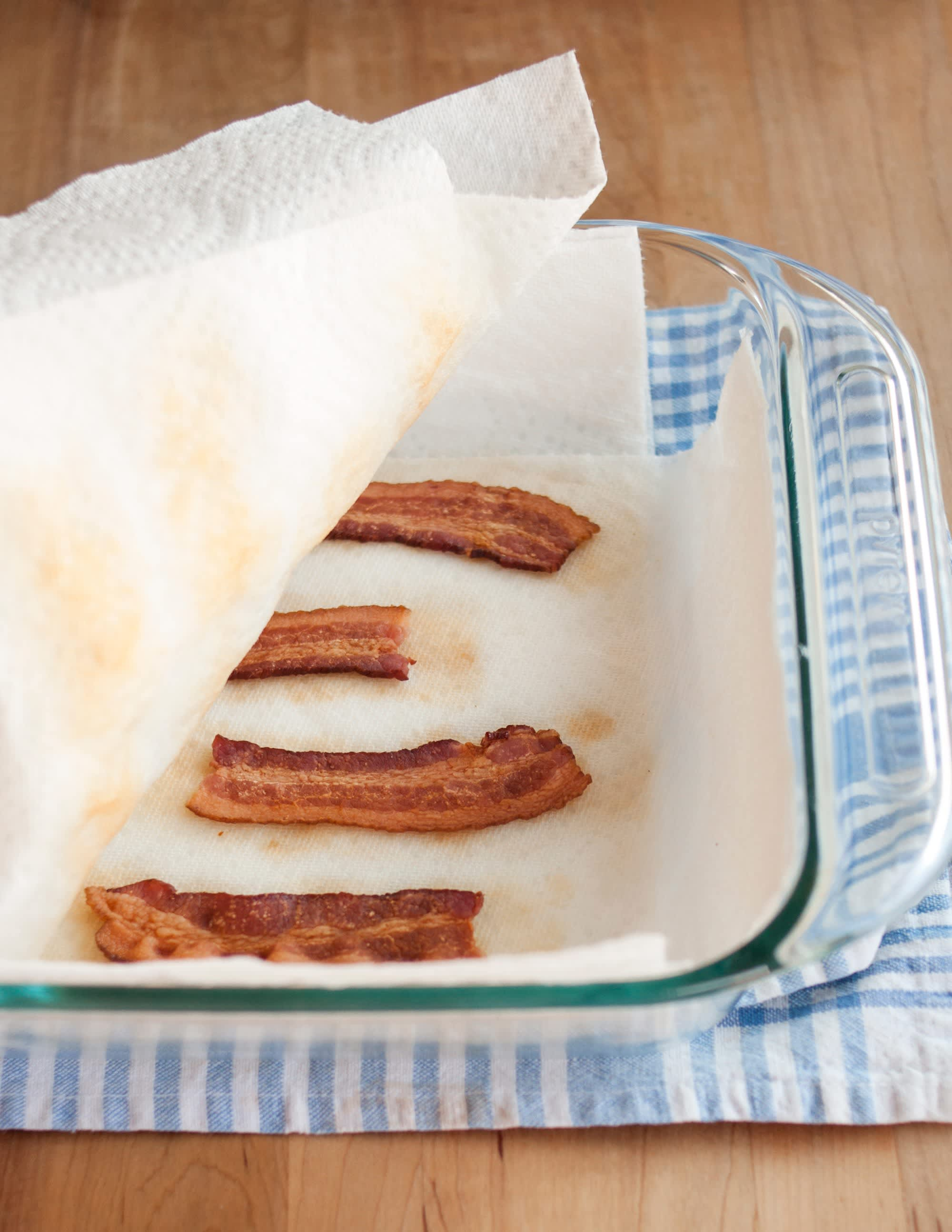 How To Cook Bacon in the Microwave: gallery image 8