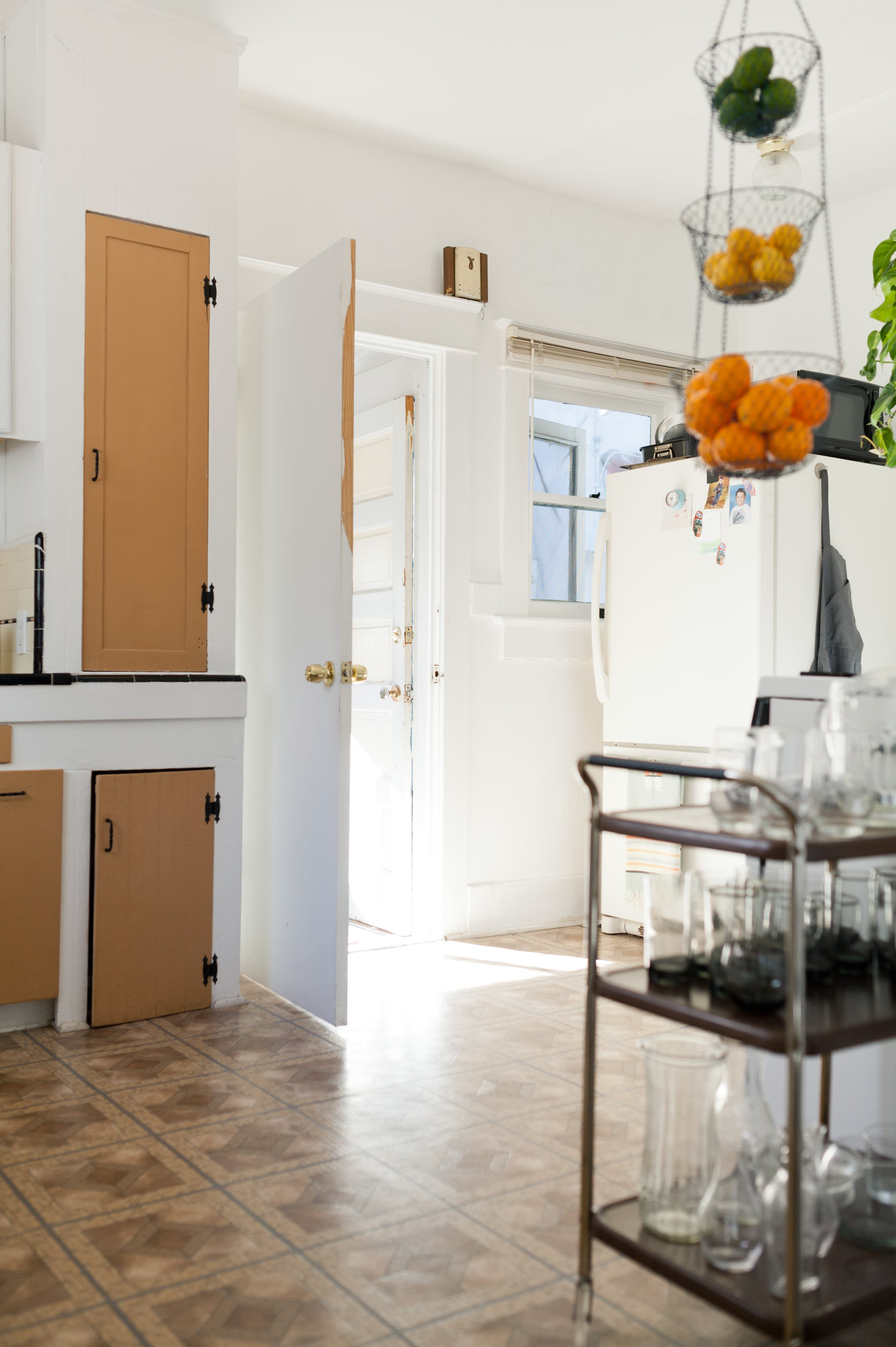 Where I Cook: Leather Craftsman Steven Soria's Rental Kitchen: gallery image 12