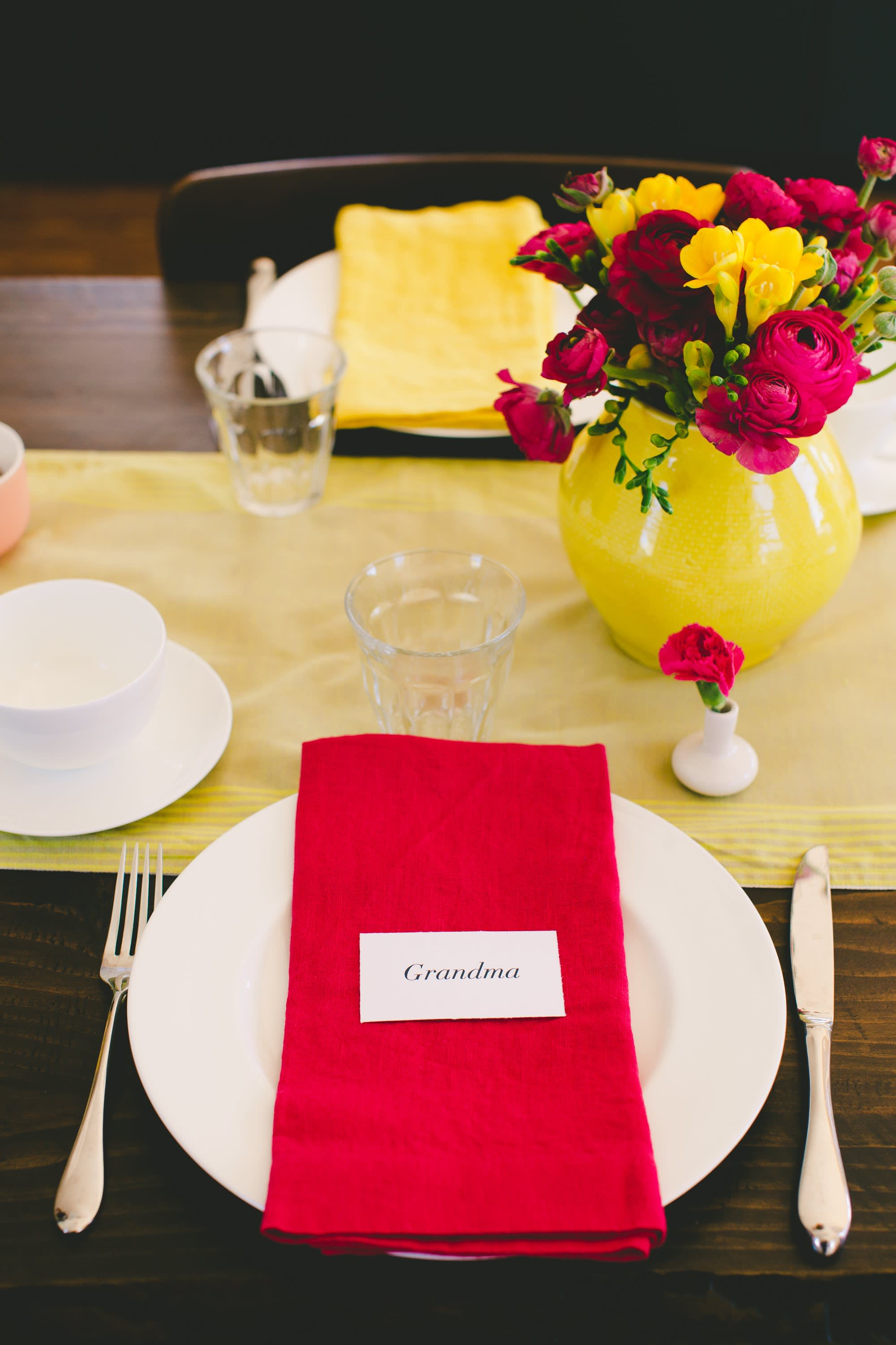 A Bright & Colorful Mother's Day Brunch: gallery image 10