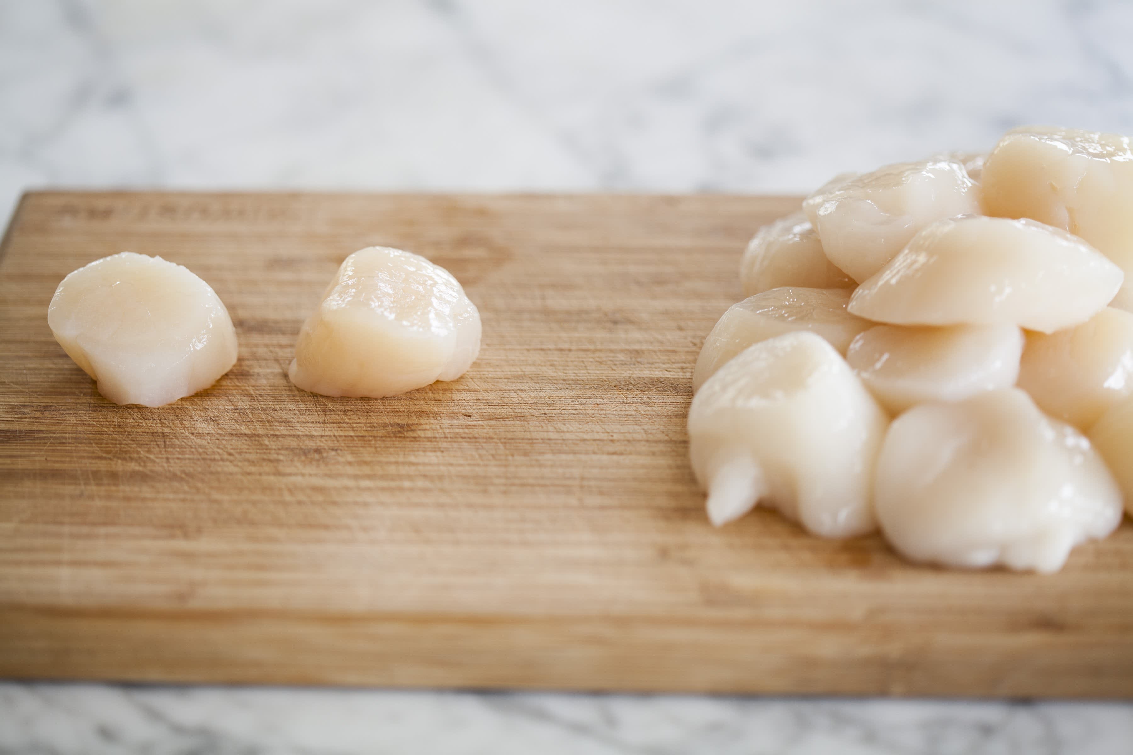 How To Cook Scallops on the Stovetop: gallery image 1