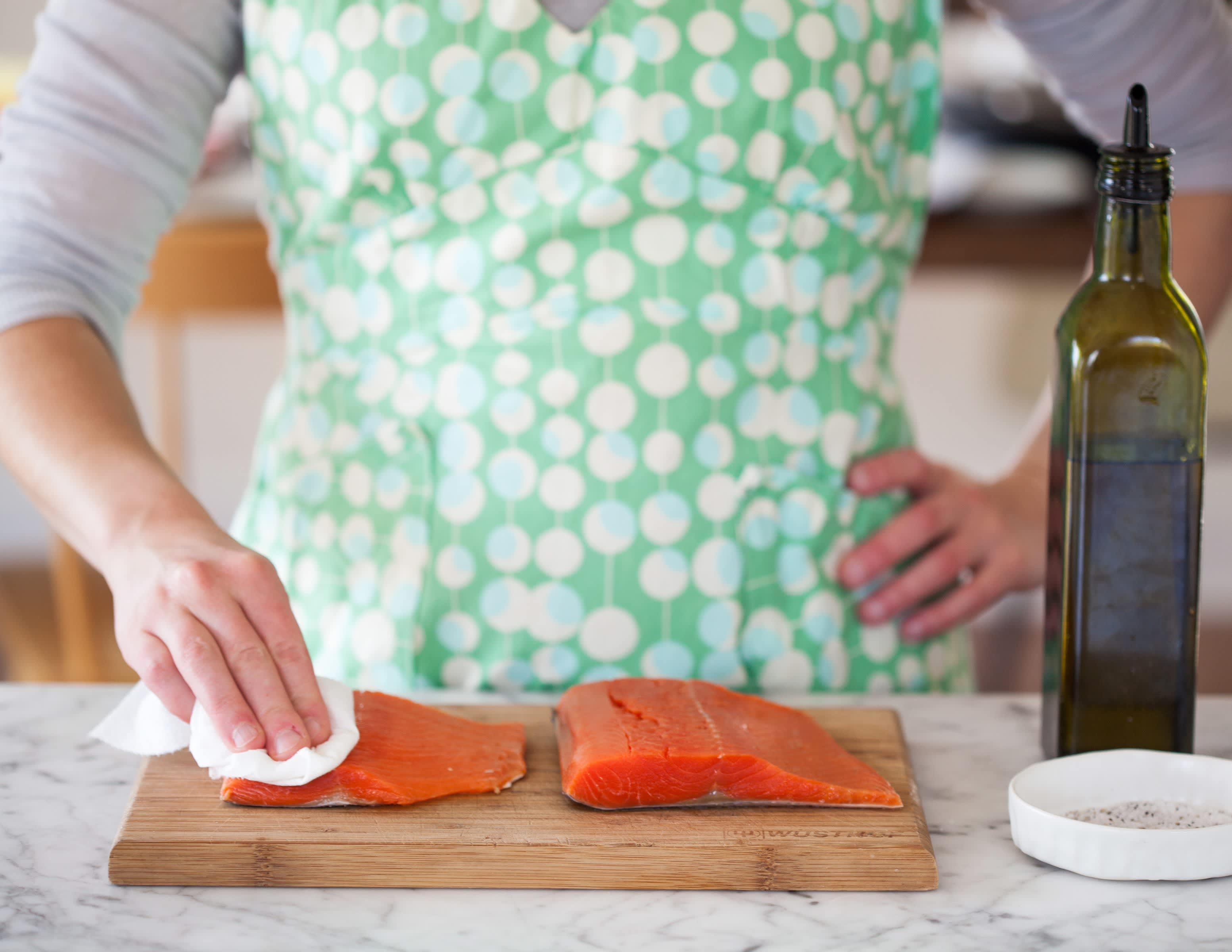 How To Cook Salmon in the Oven: gallery image 1