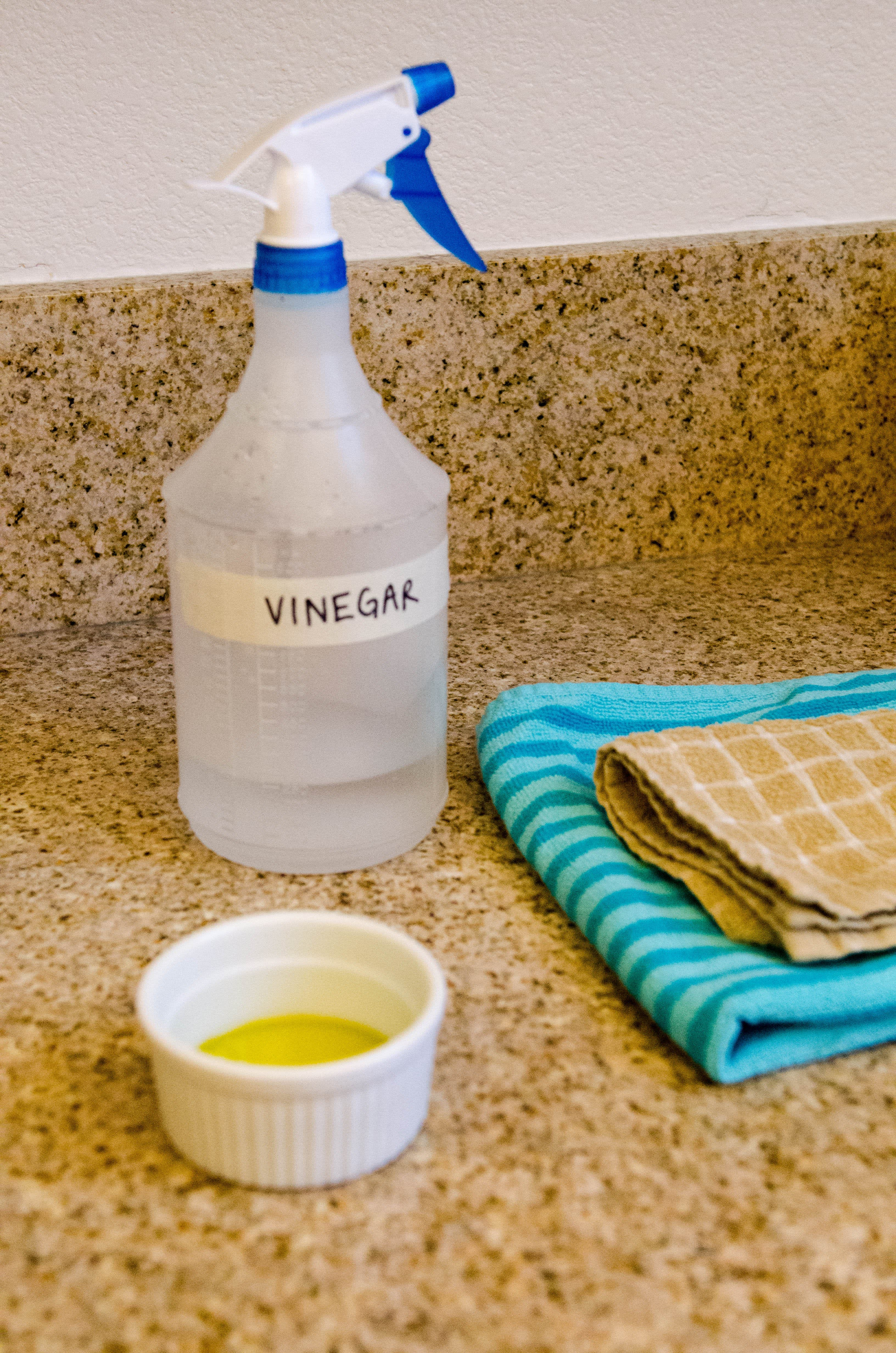 How To Clean Stainless Steel Appliances with Vinegar and Oil: gallery image 1