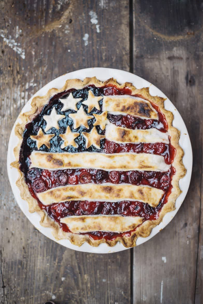4 Beautiful Pie Crusts That Are Way Easier Than Lattice: gallery image 4