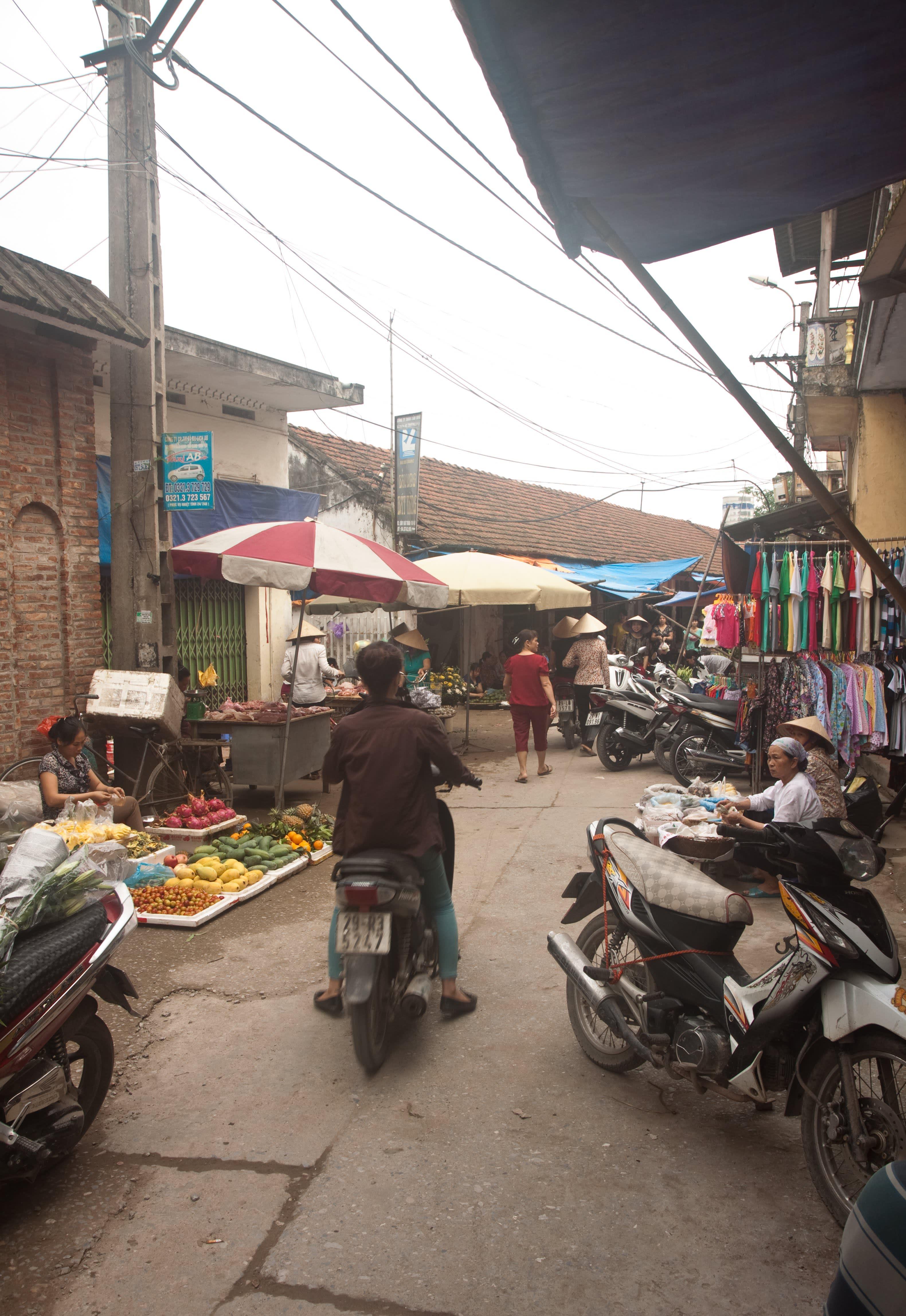 Visit the Ancient Village of Bat Trang, Vietnam, Where Everyone Makes Pottery: gallery image 11