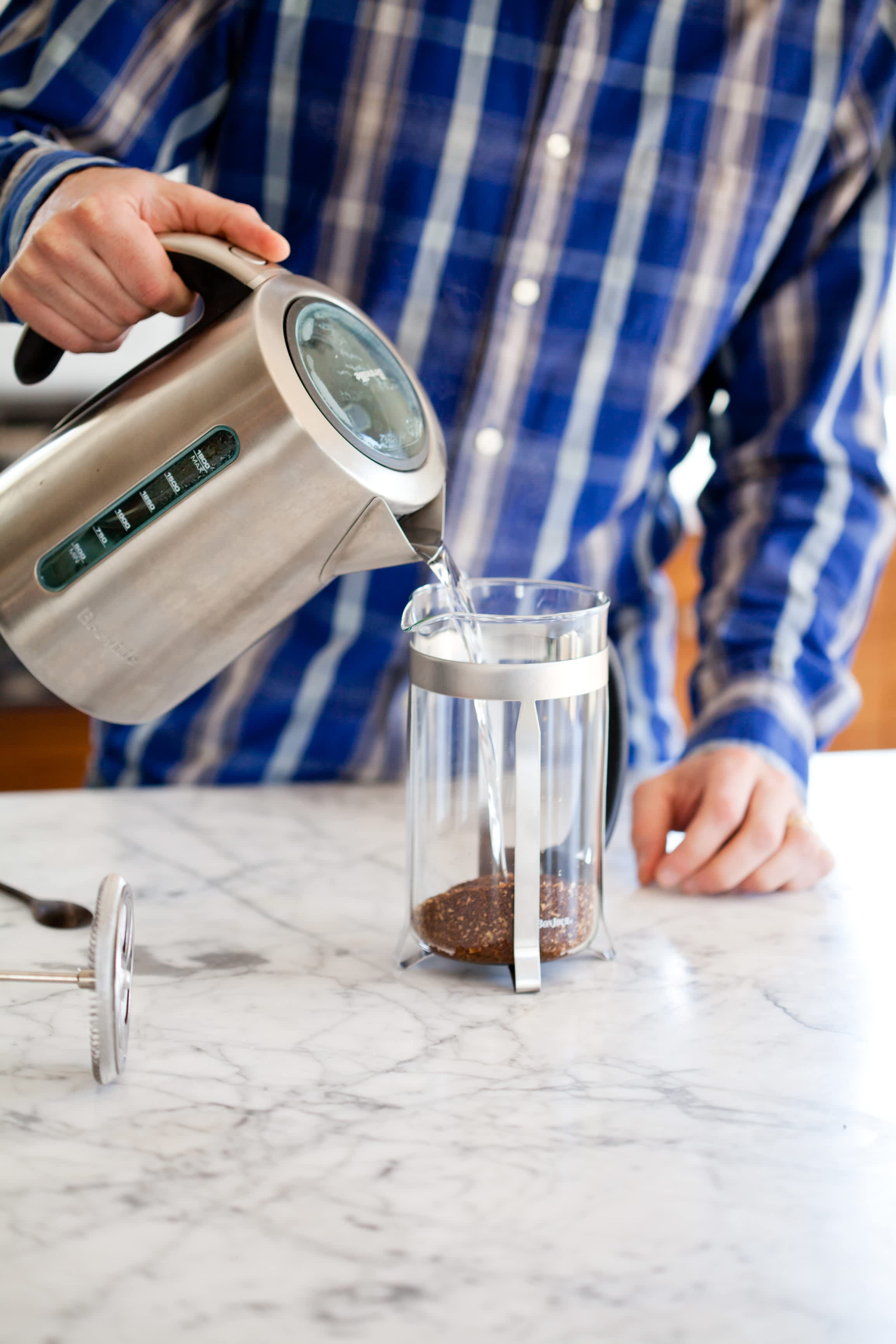 How To Make French Press Coffee: gallery image 5