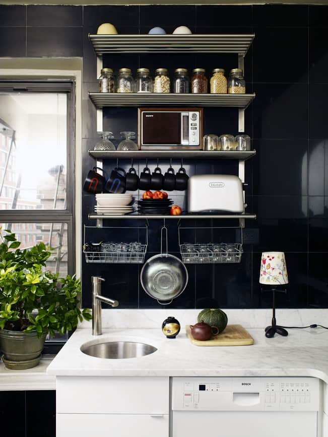 Black Kitchens Are Not Spooky. Here Are 5 That Prove It.: gallery image 2