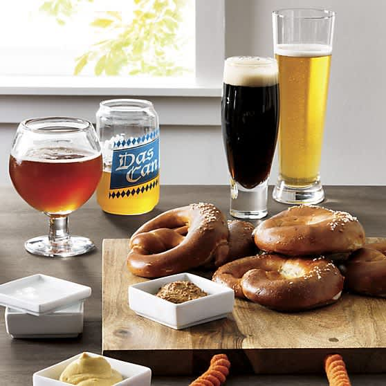 5 Pieces of Perfect Partyware For Tailgating and Beyond: gallery image 1