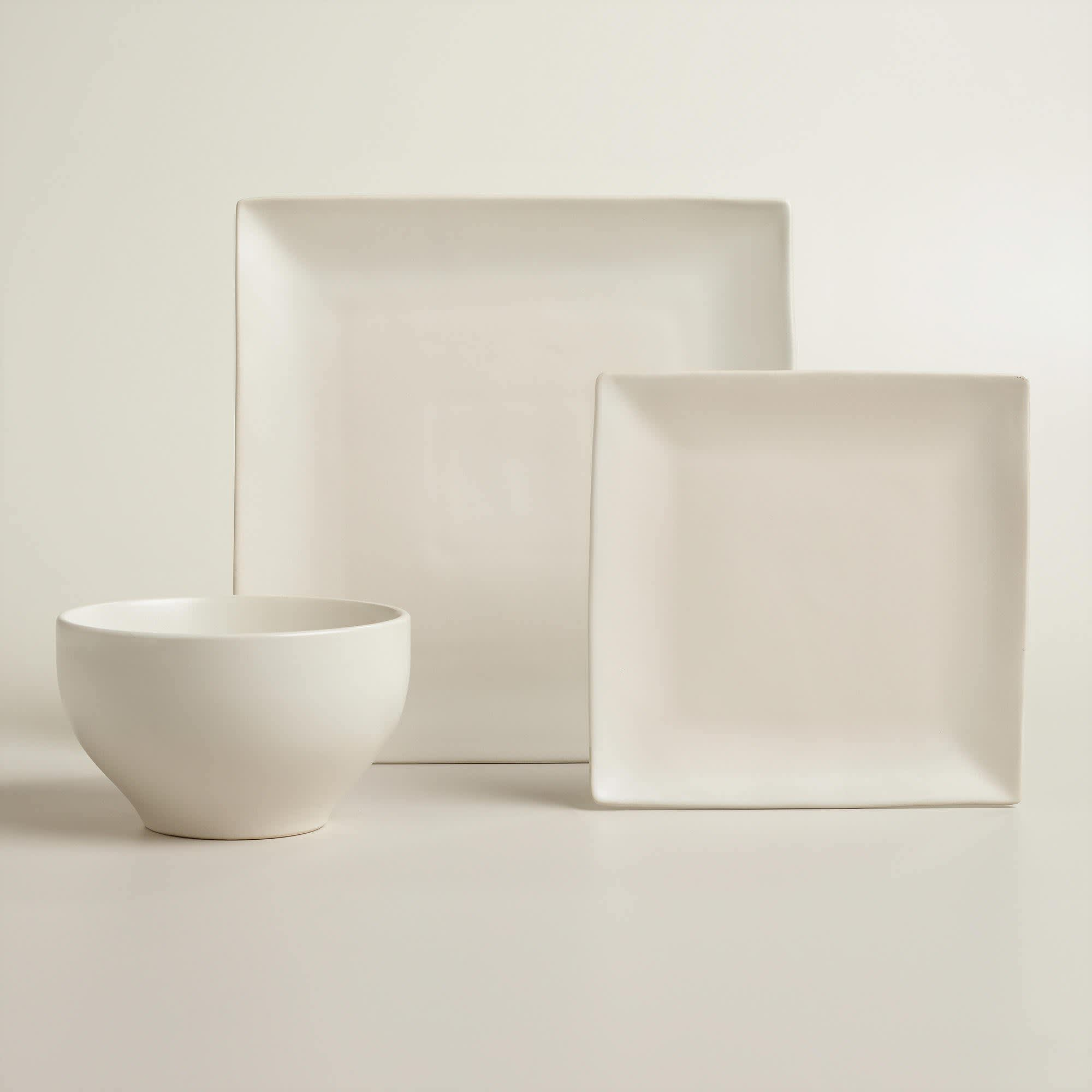 10 New Dinnerware Sets That Deserve a Place at the Table: gallery image 6