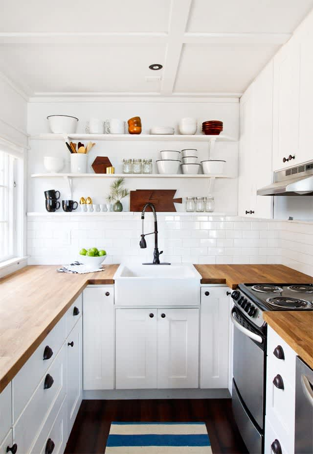 10 Wonderful White Kitchens That Make Us Sigh: gallery image 2