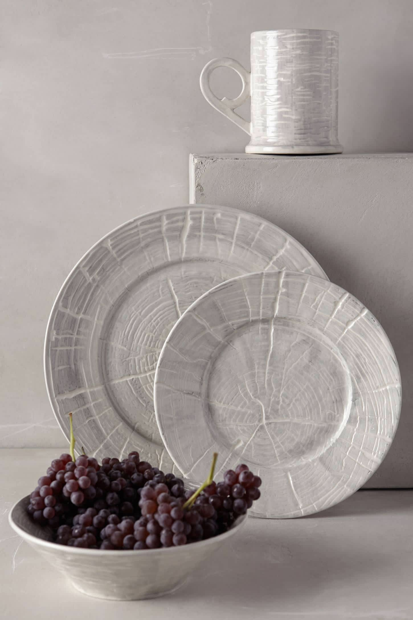 10 New Dinnerware Sets That Deserve a Place at the Table: gallery image 1
