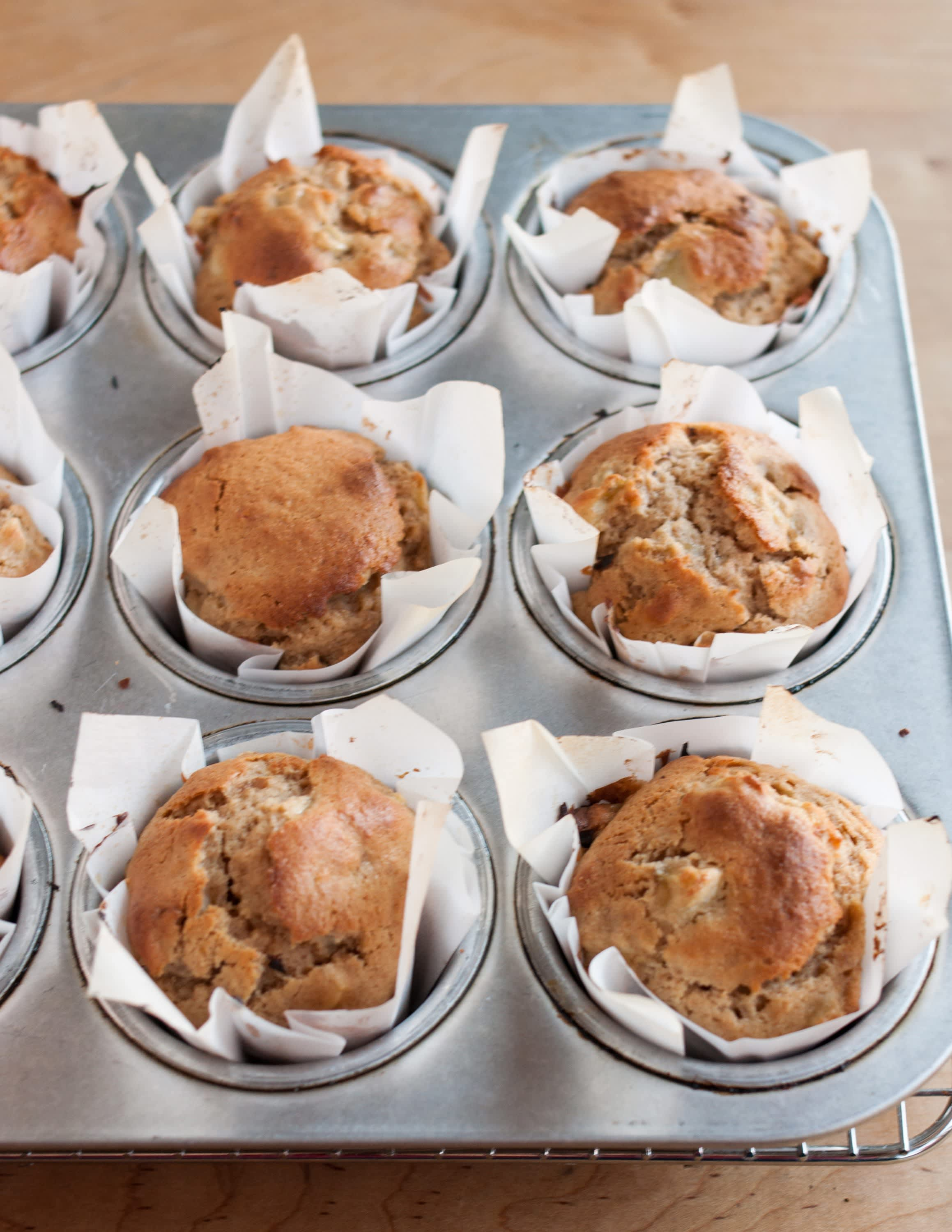 How To Make Muffin Liners Out of Parchment Paper: gallery image 15