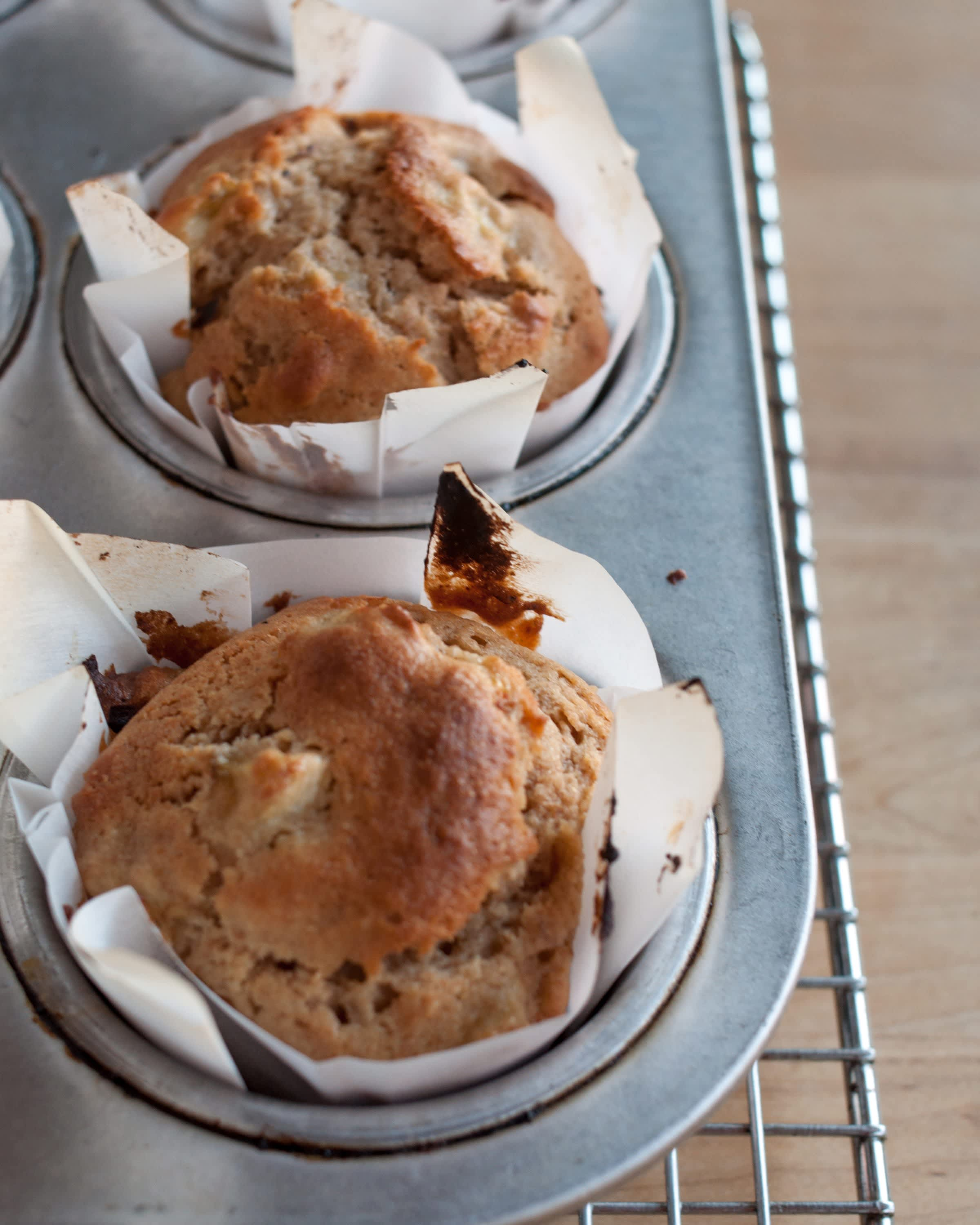 How To Make Muffin Liners Out of Parchment Paper: gallery image 16