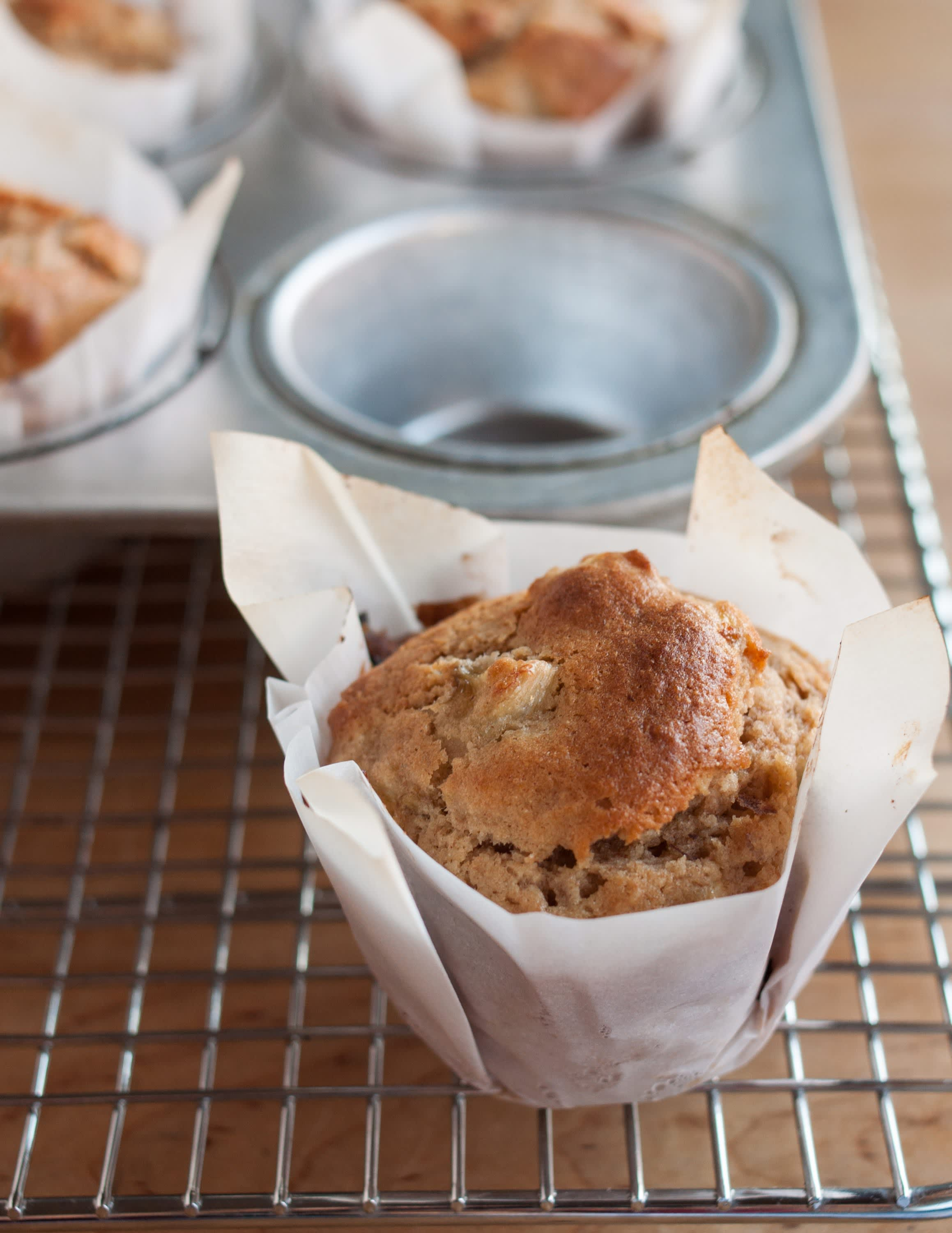 How To Make Muffin Liners Out of Parchment Paper: gallery image 18