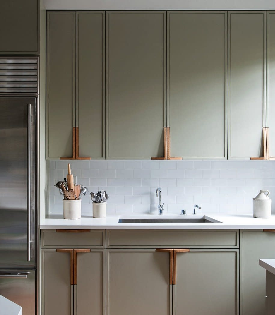 20 Paint Colors We Love in the Kitchen: gallery image 8